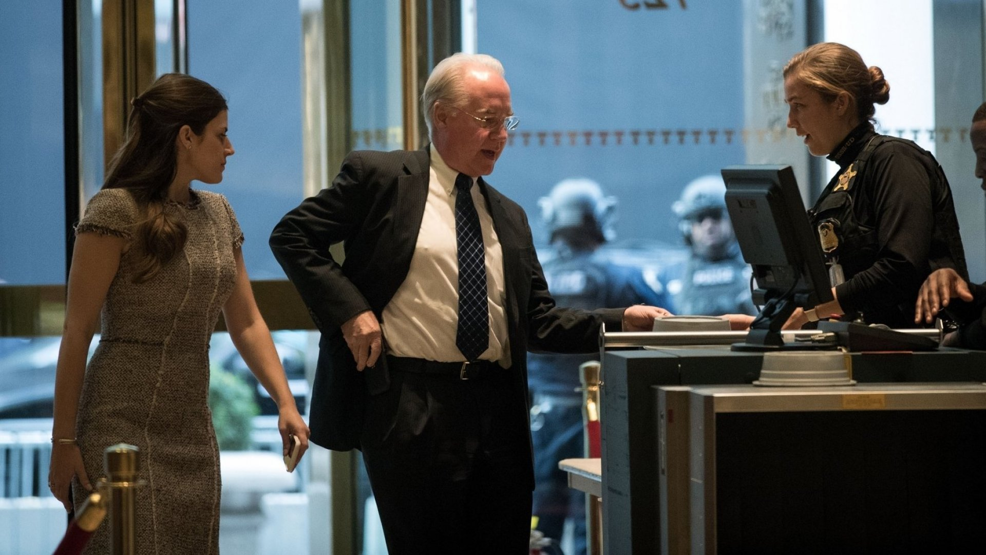 Tom Price arrives at Trump Tower for a meeting with the president-elect.