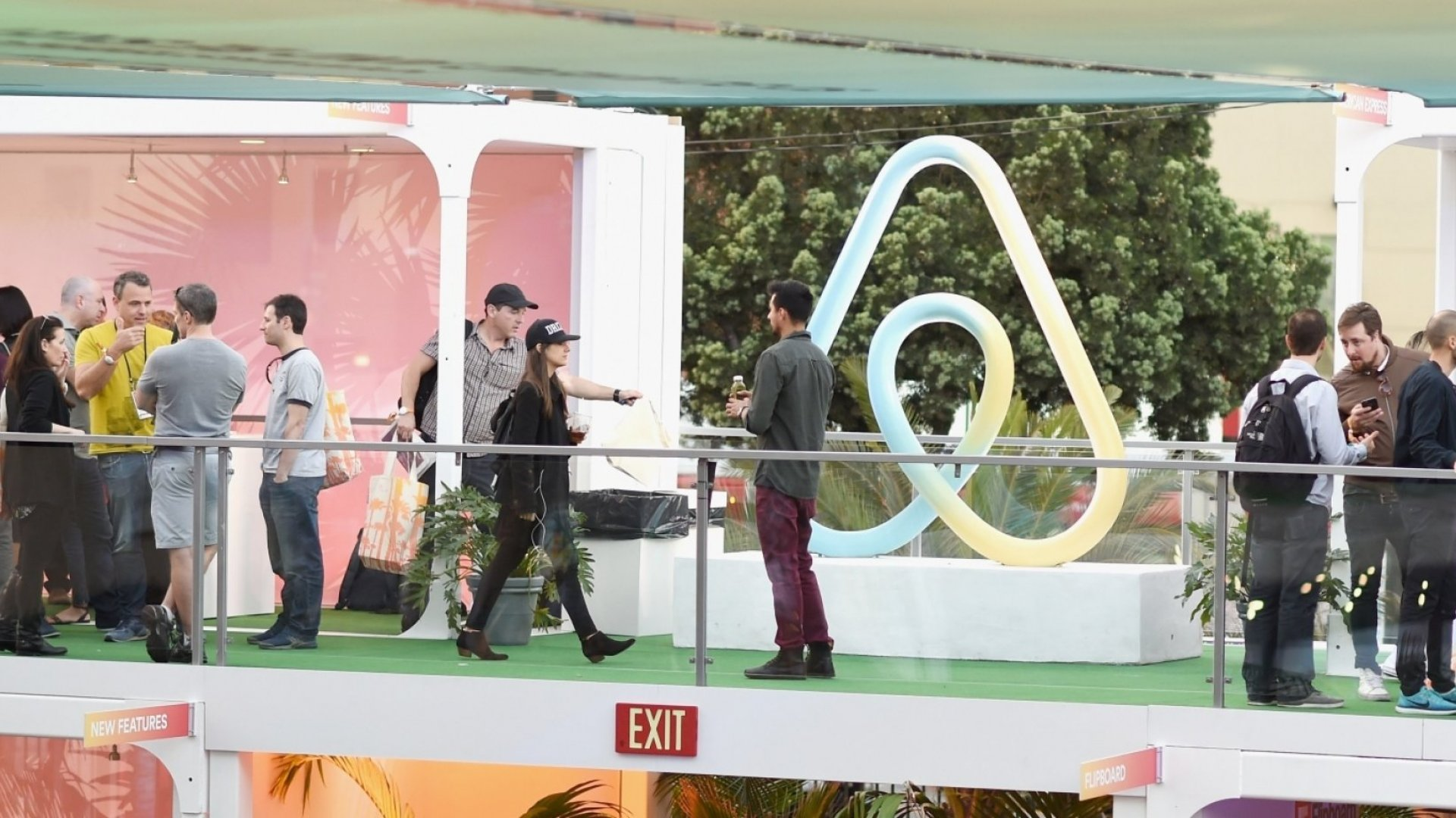 How Airbnb and Salesforce Are Leading the Way When It Comes to Employee Engagement