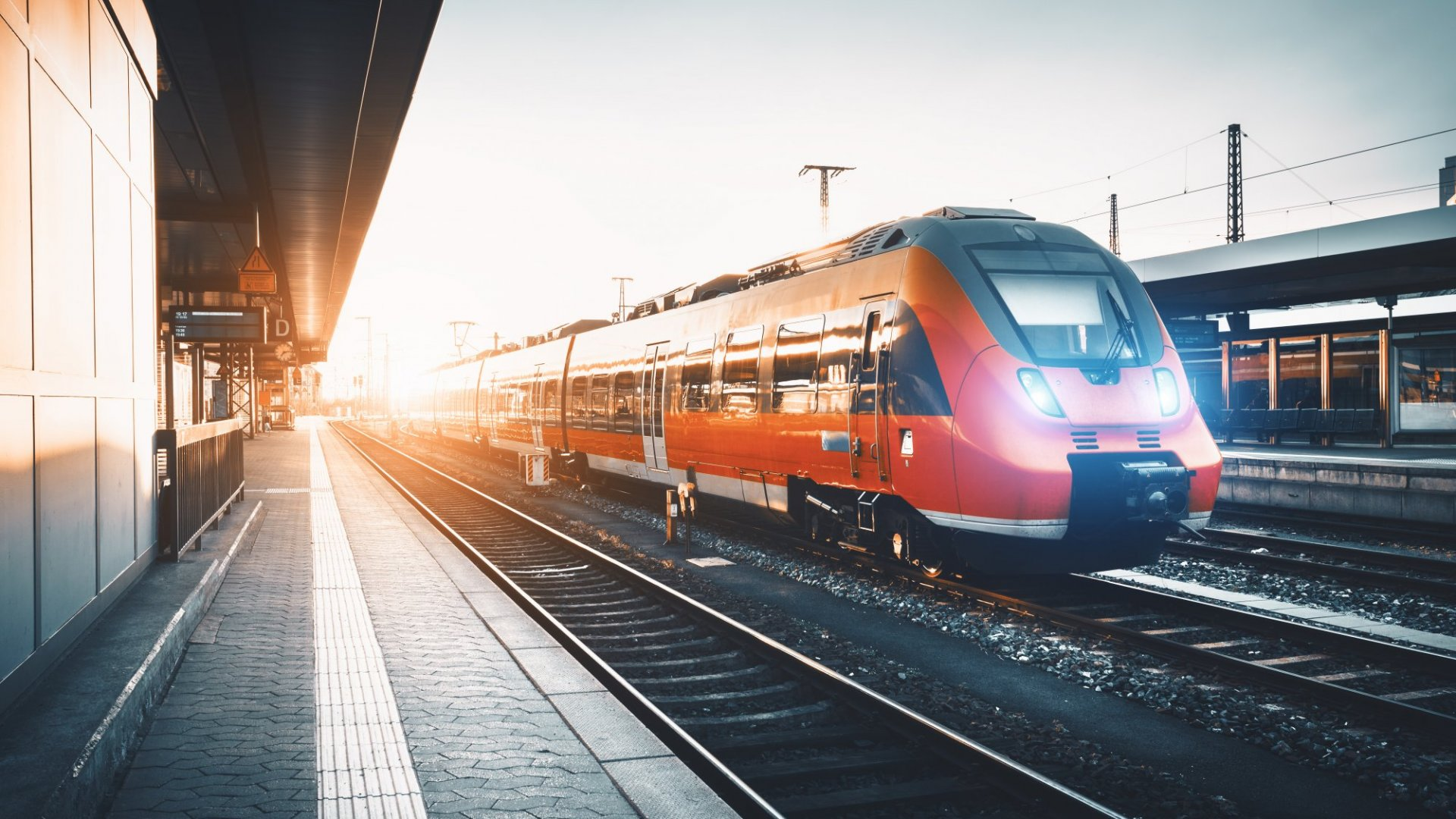4 Reasons Why Traveling by Train Is the Best Option for Business Travel