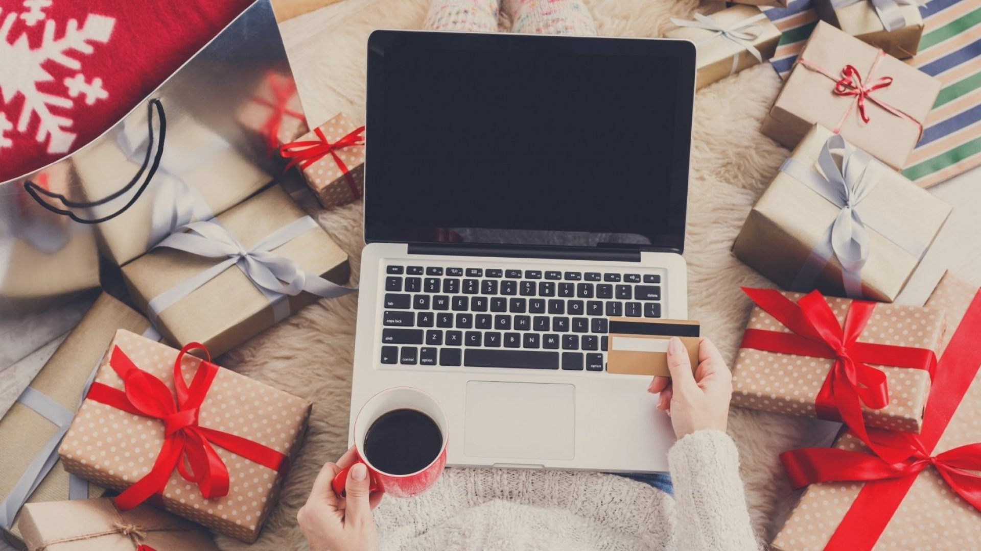 4 Ways to Increase Holiday Sales With Marketing