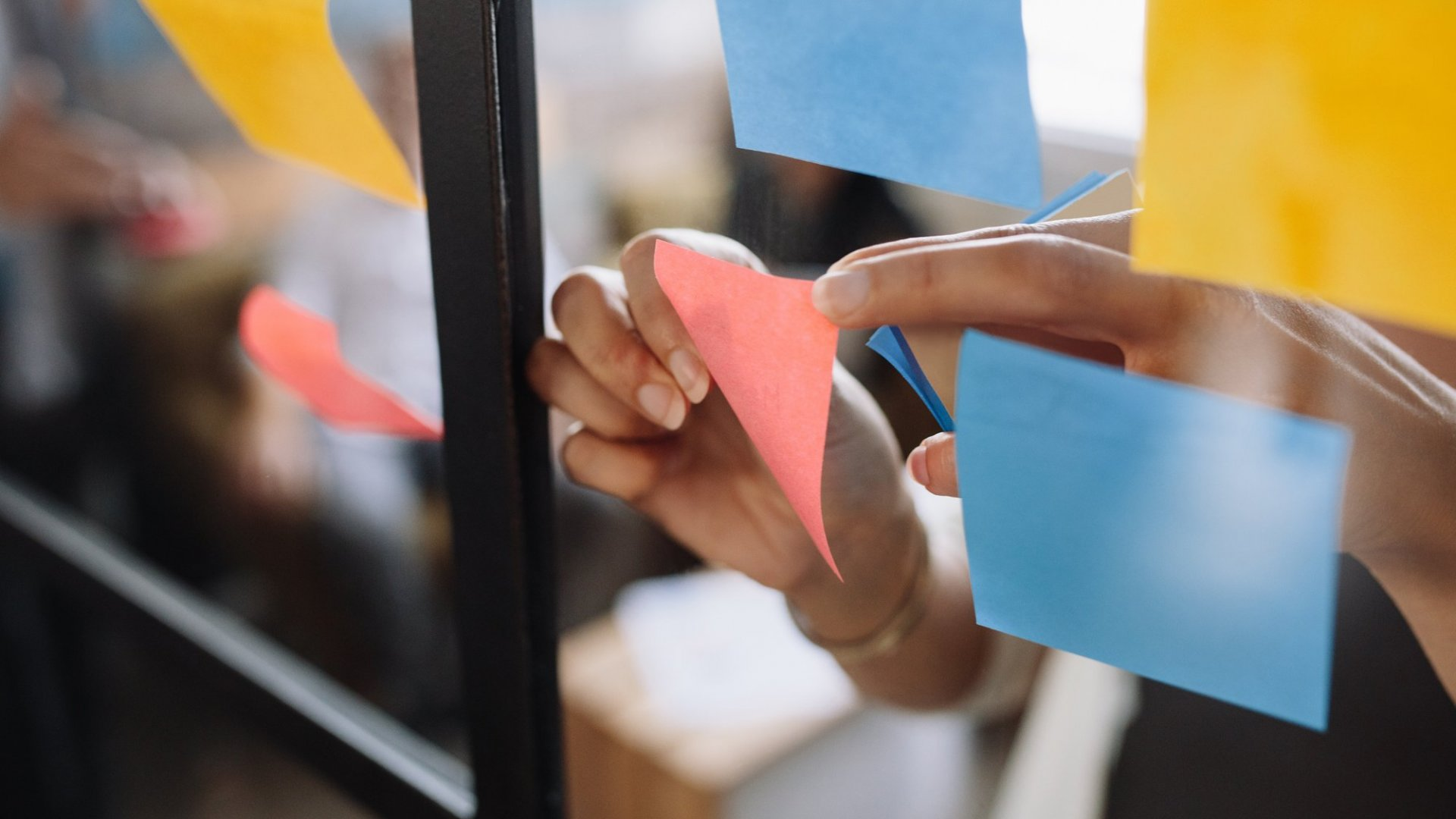 3 Actions Smart Entrepreneurs Never Take (and 5 They Do)