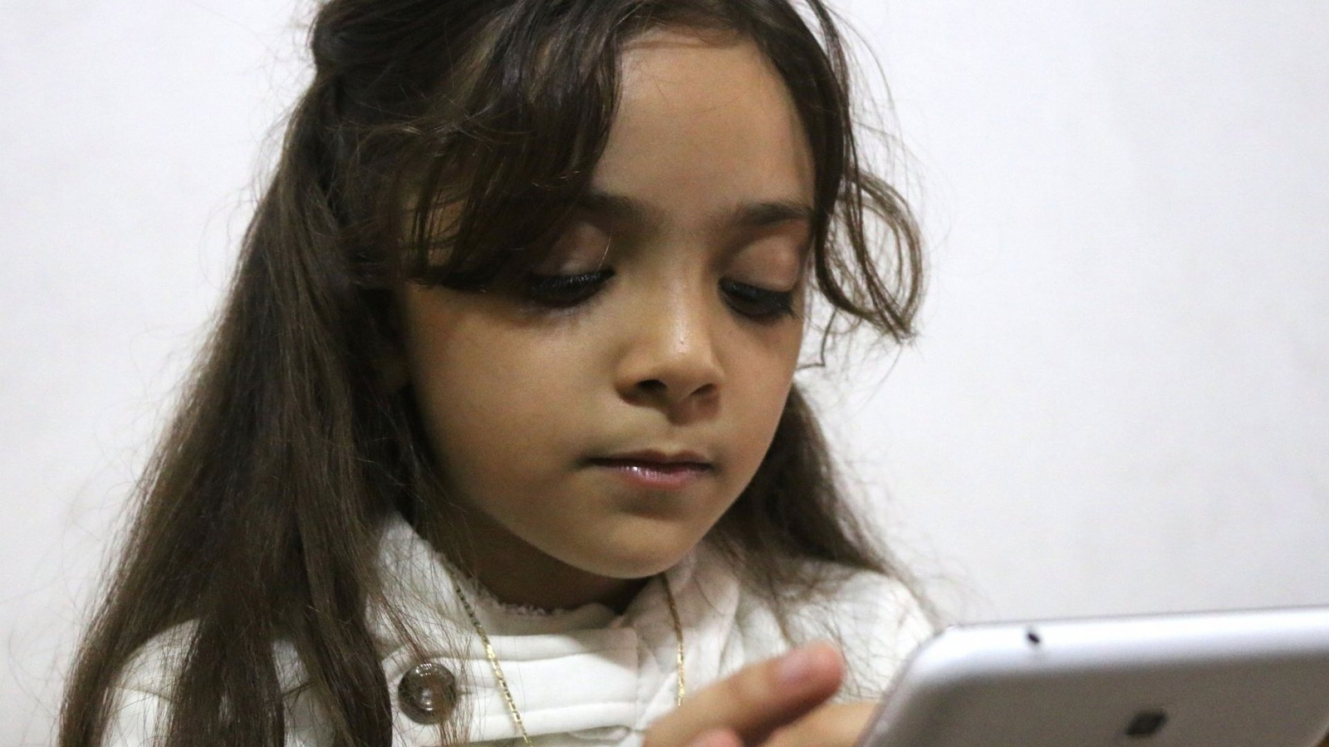 Eight-year-old Aleppo refugee Bana Alabed has more than 370,000 Twitter followers.