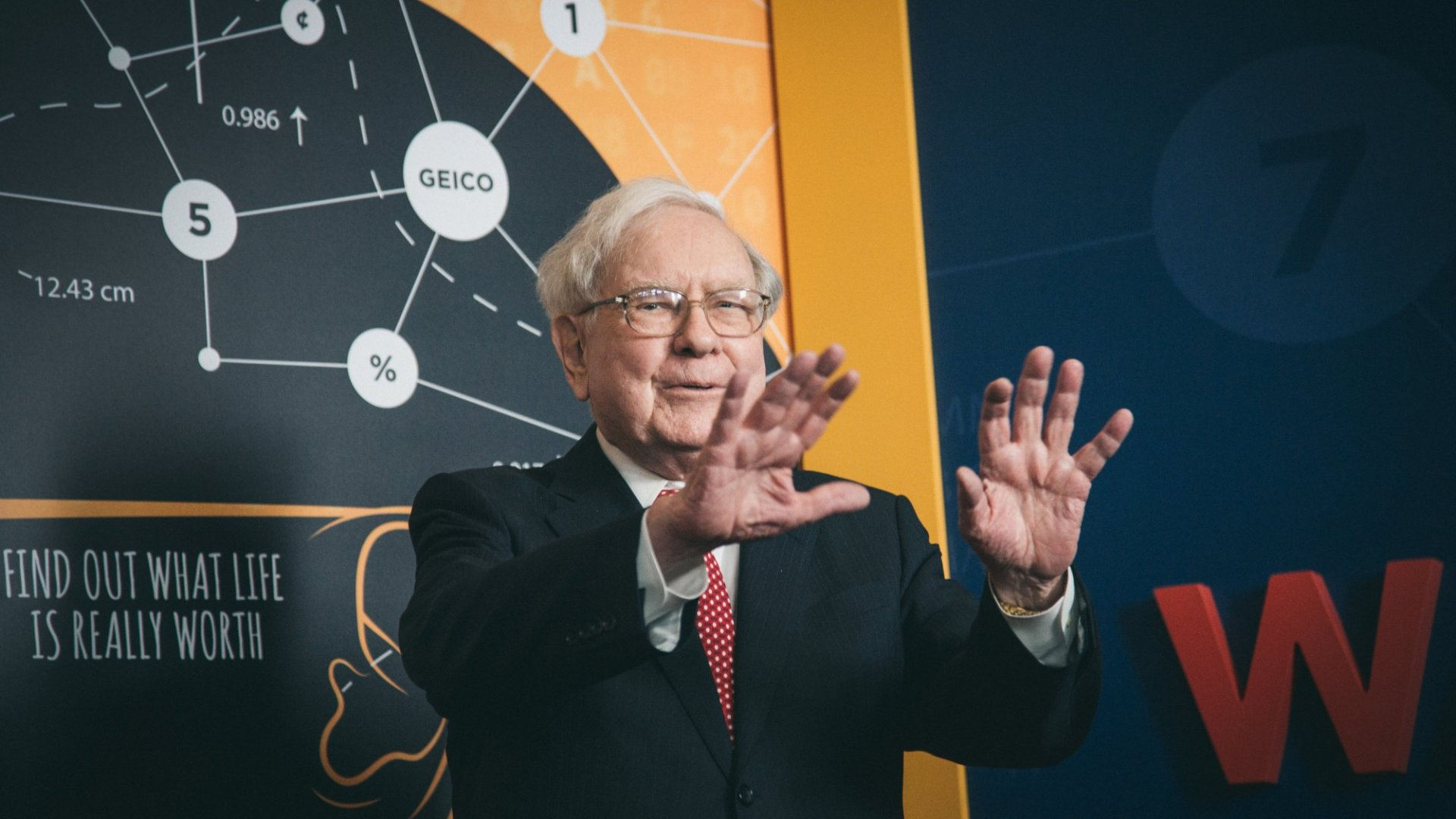 Warren Buffett Has A Bold Answer On Whether You Should Invest In Bitcoin Now