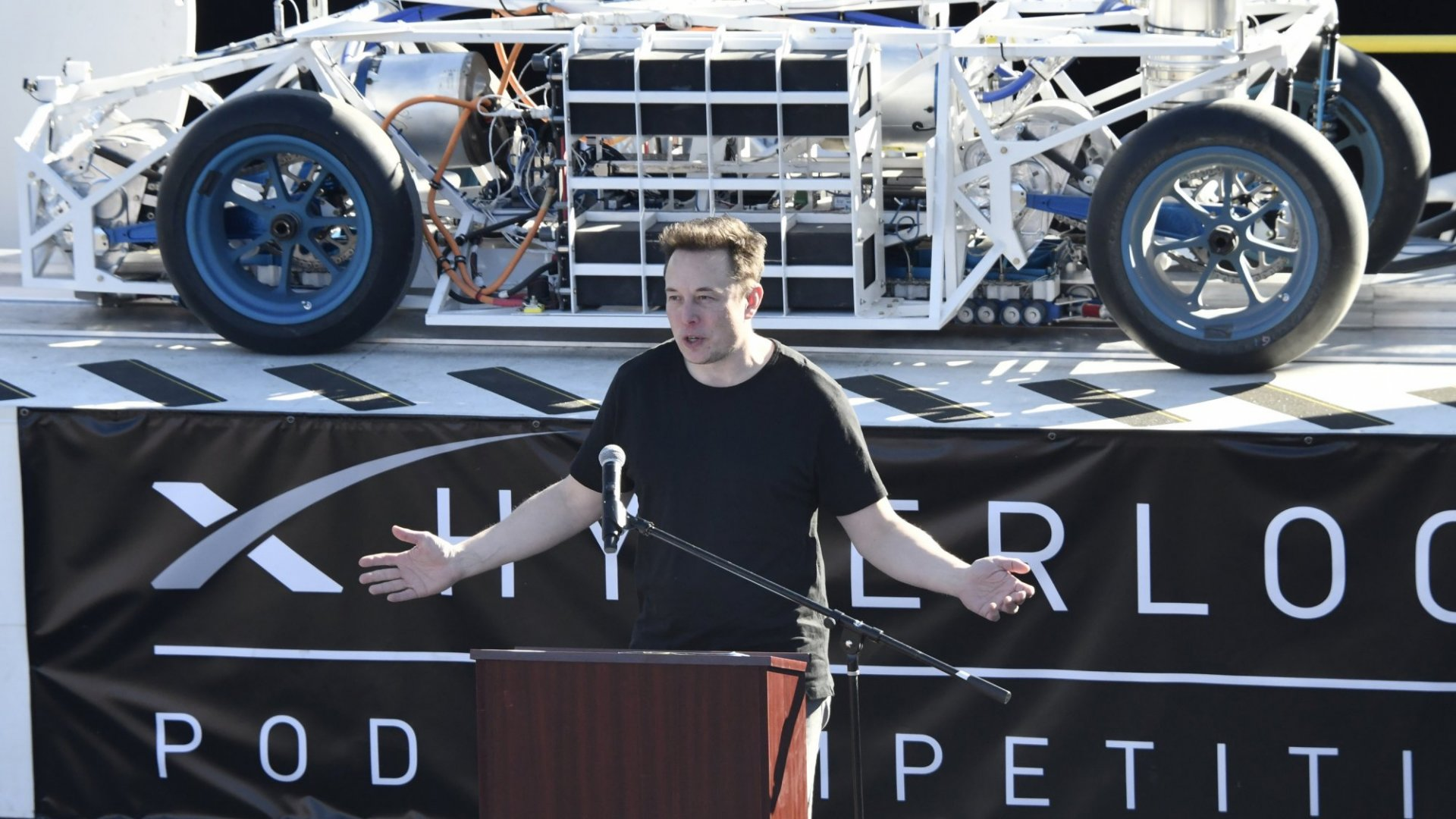 Uber's CEO Perfectly Shut Down Elon Musk's Attack With Just 1 Tweet