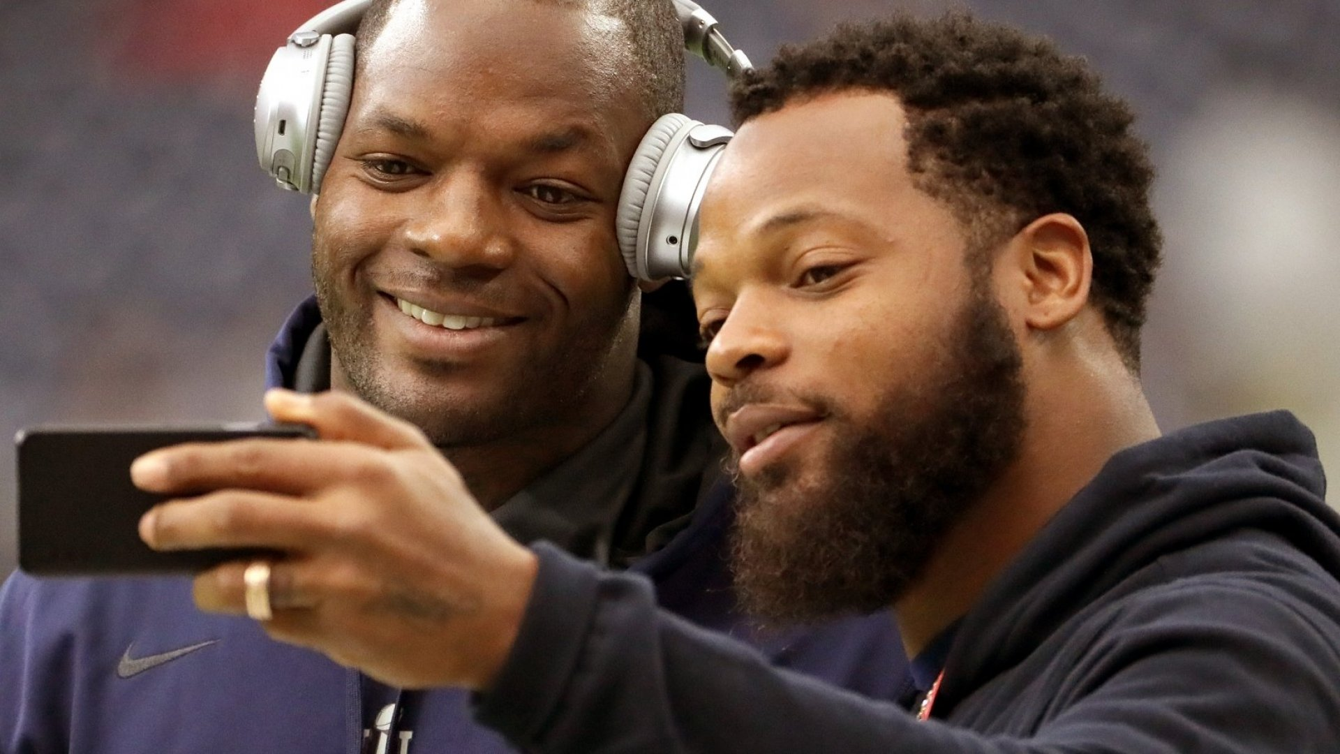 Martellus Bennett (left) poses for a selfie with brother Michael Bennett.