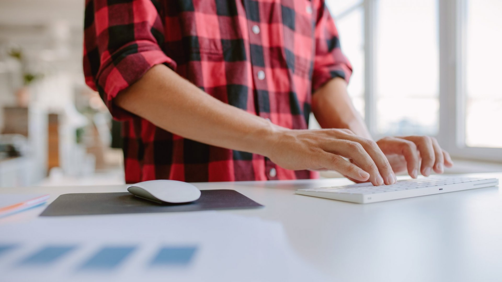 How to Benefit From A Standing Desk