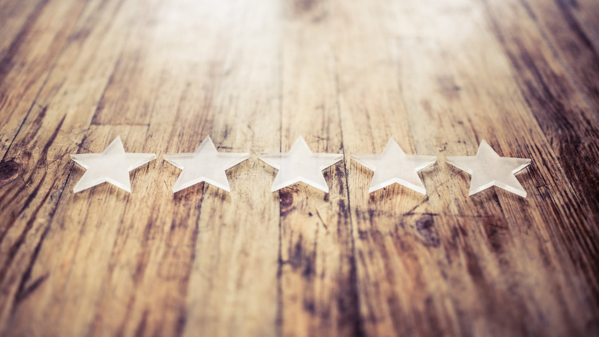 7 Tips to Help You Attract and Retain Customers