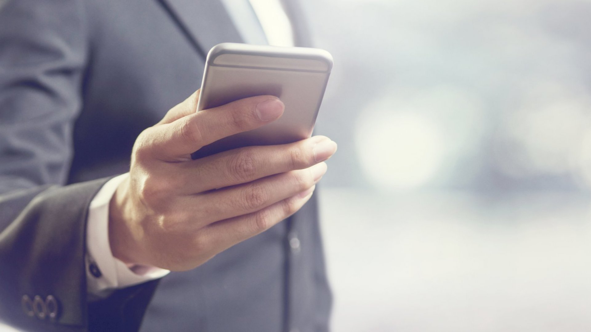 8 Bad Habits That Leave a Terrible First Impression Over the Phone--And How to Change Them