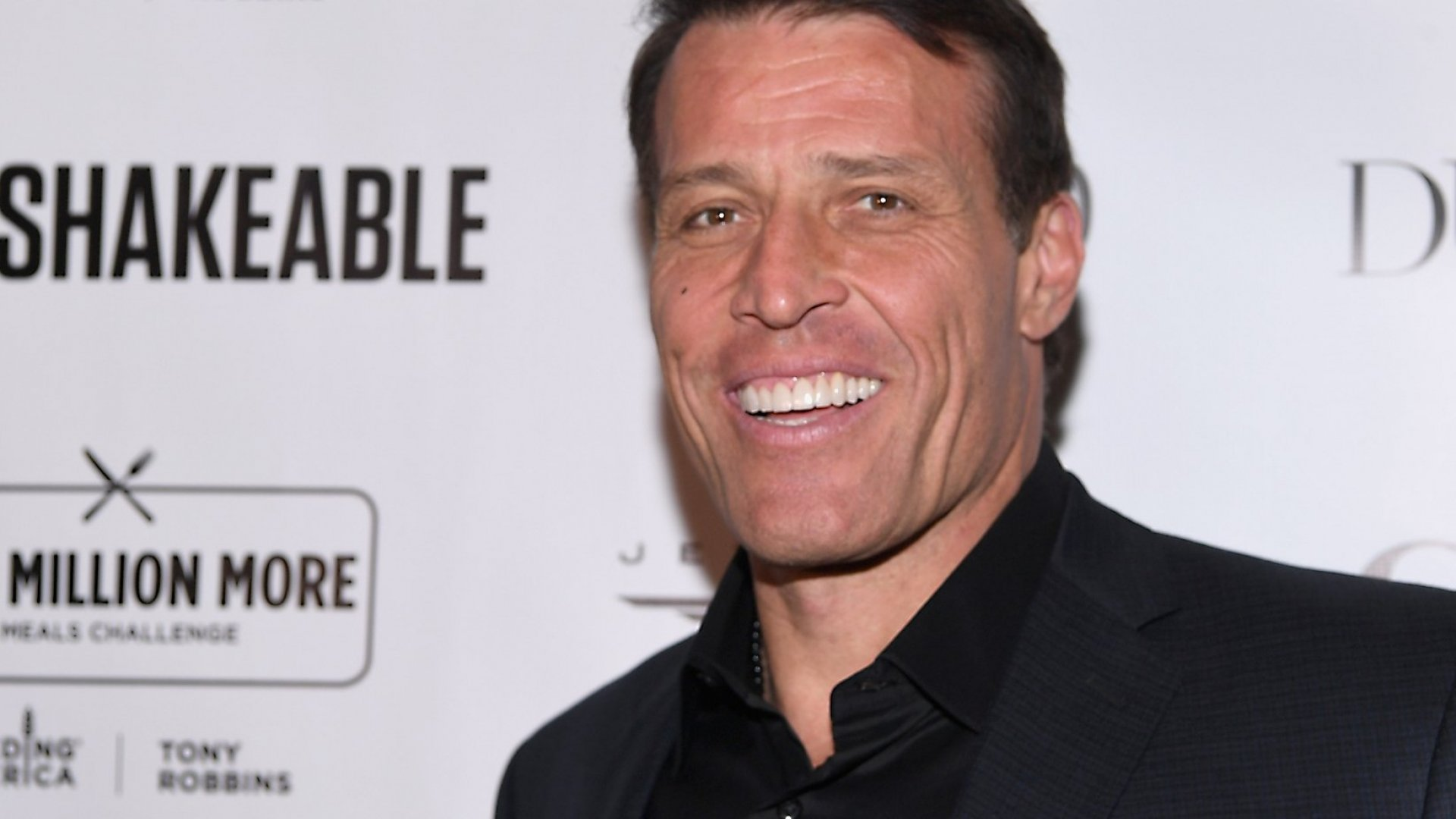 Tony Robbins Burns a Staggering Number of Calories During Live Events. I Tried His Fitness and Diet Routine to Find Out How