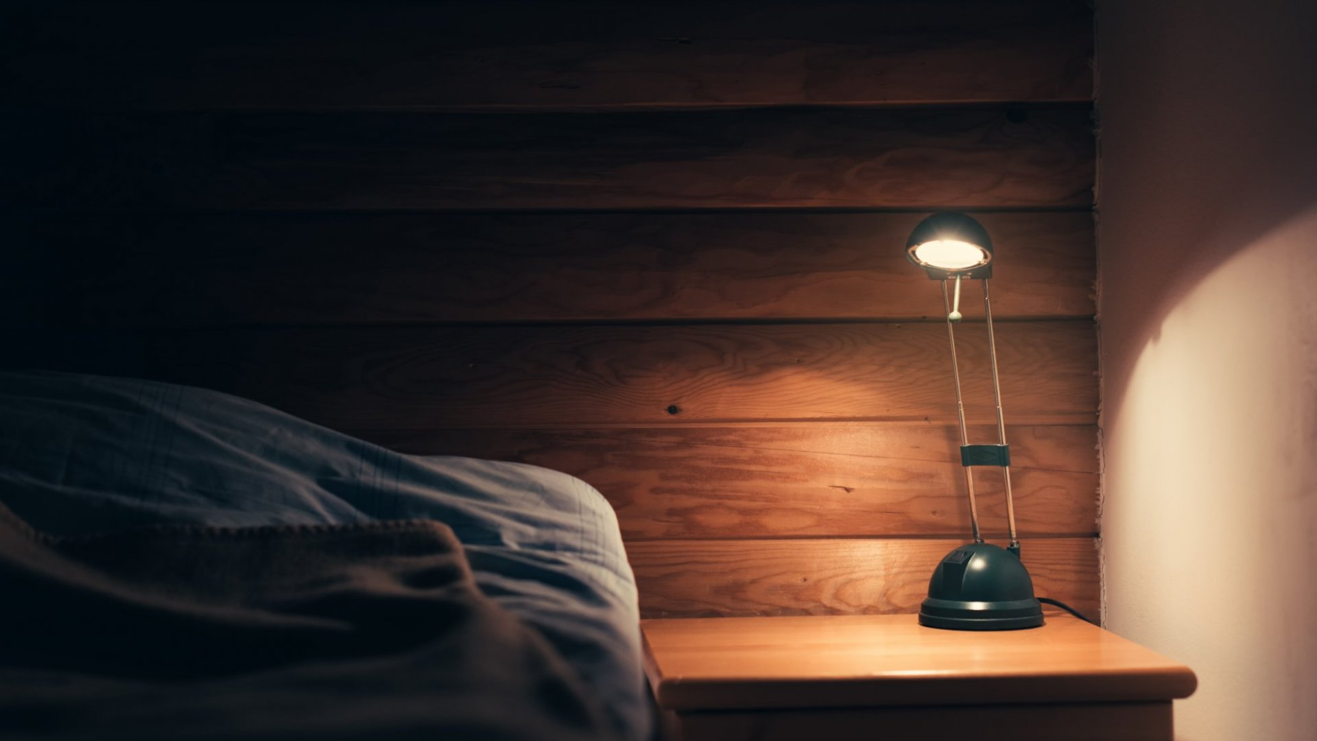 4 Nighttime Habits That Will Keep You More Rested, Motivated, and Productive (and They Only Take 5 Minutes)