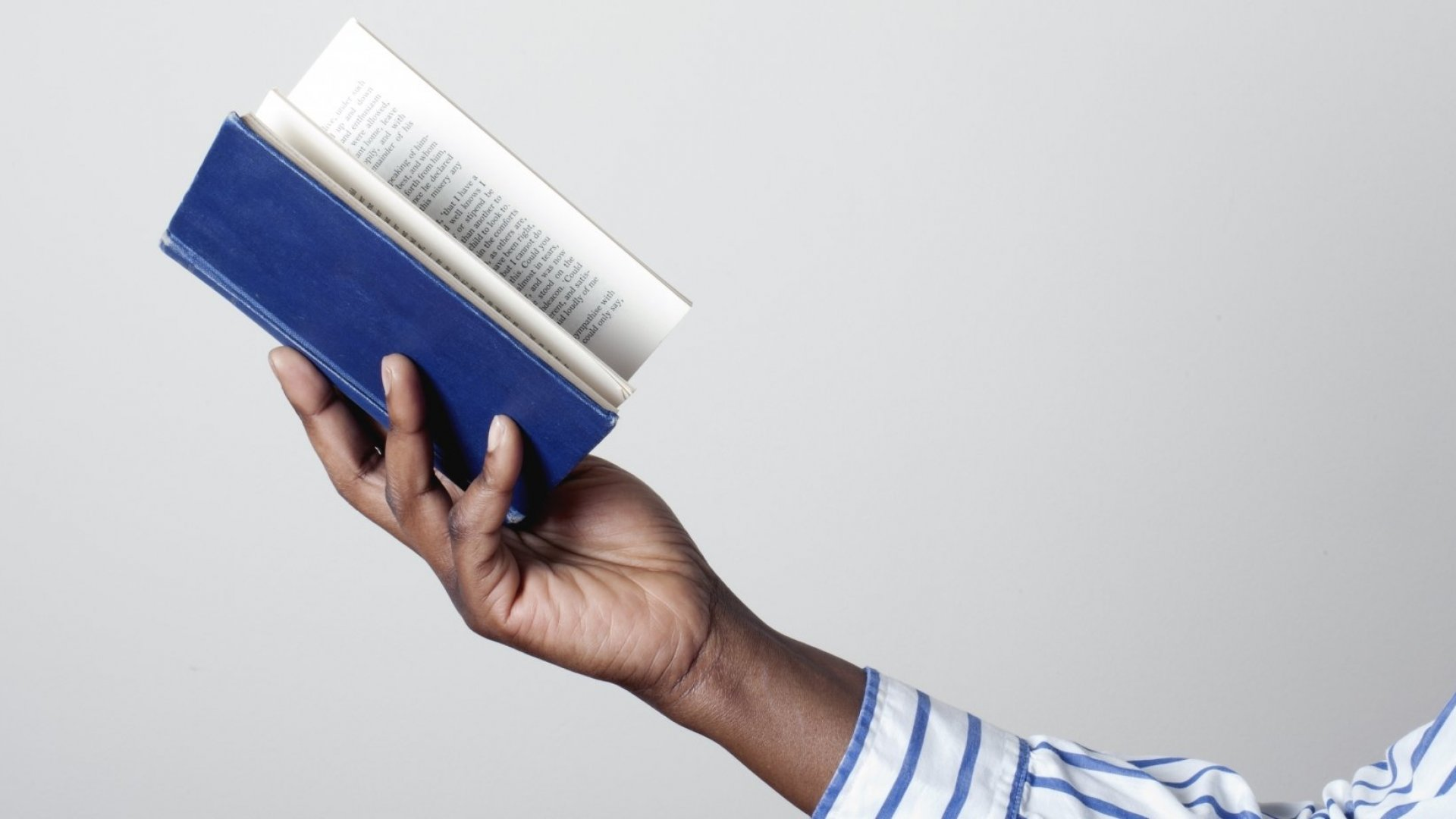 10 Books Every Aspiring Entrepreneur Should Read Before They Start a Business