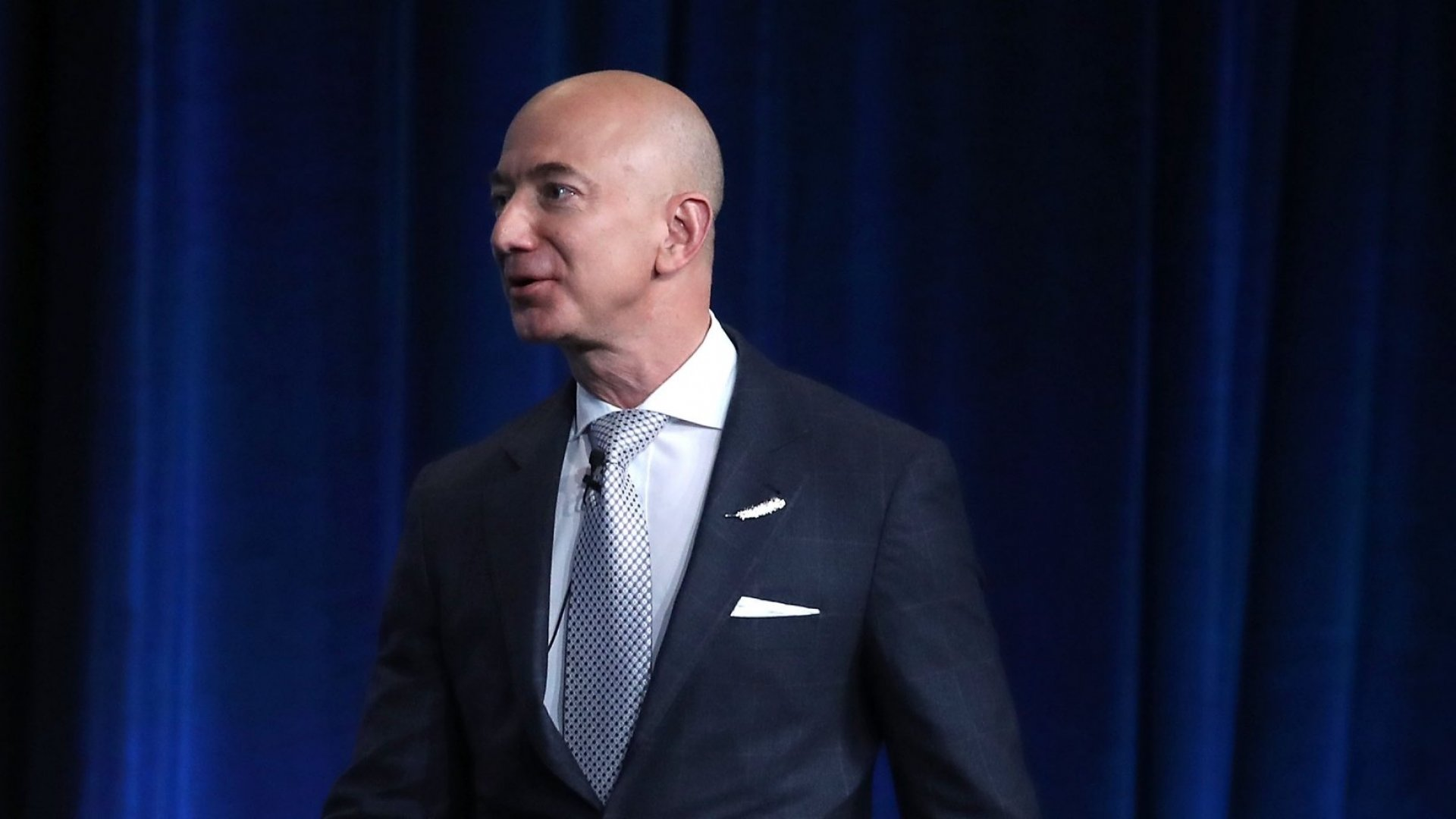 Amazon Outbids Twitter on NFL Streaming Rights