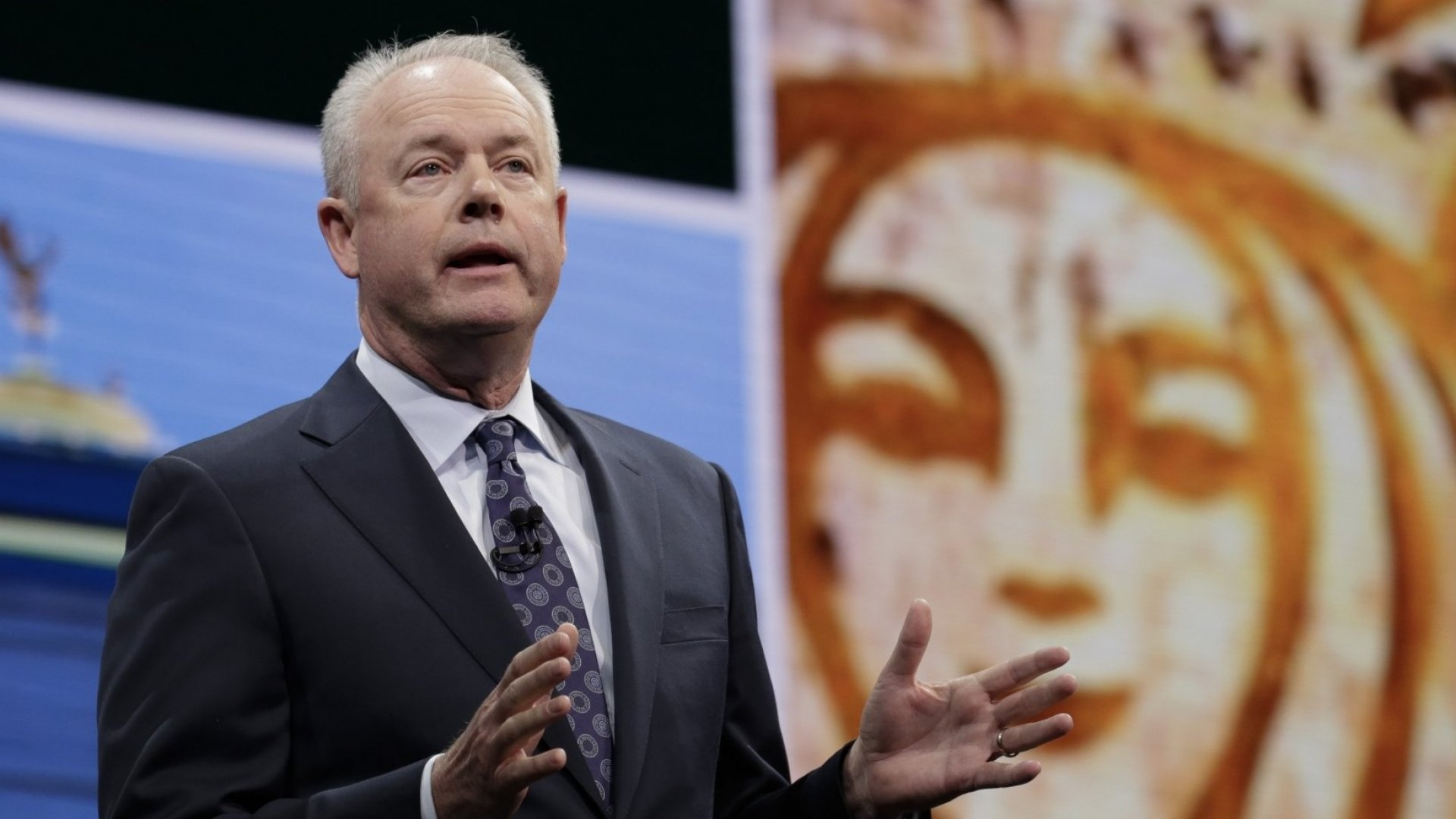Starbucks's CEO Showed a Classy Example of What a Great Leader Does When Managing a Crisis