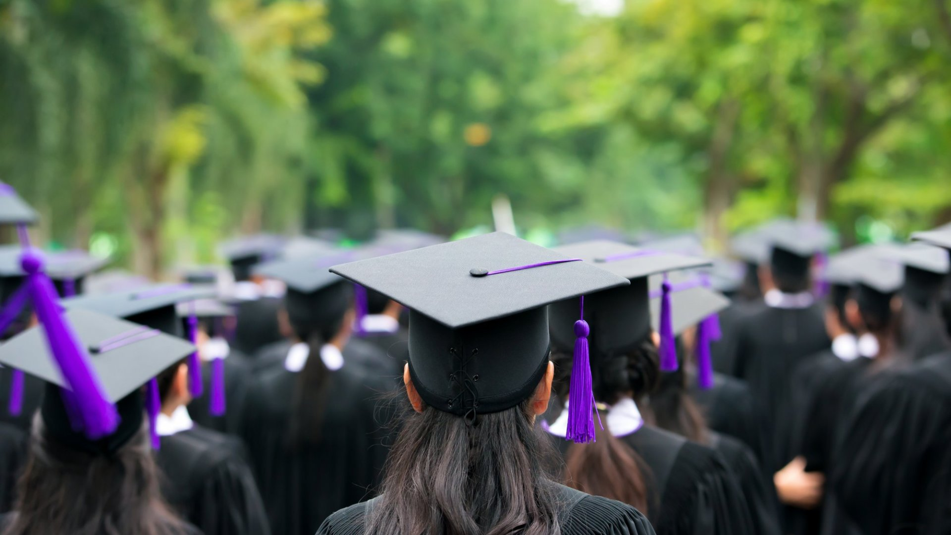 New Graduates, Strategize Your Careers With These 6 Tips