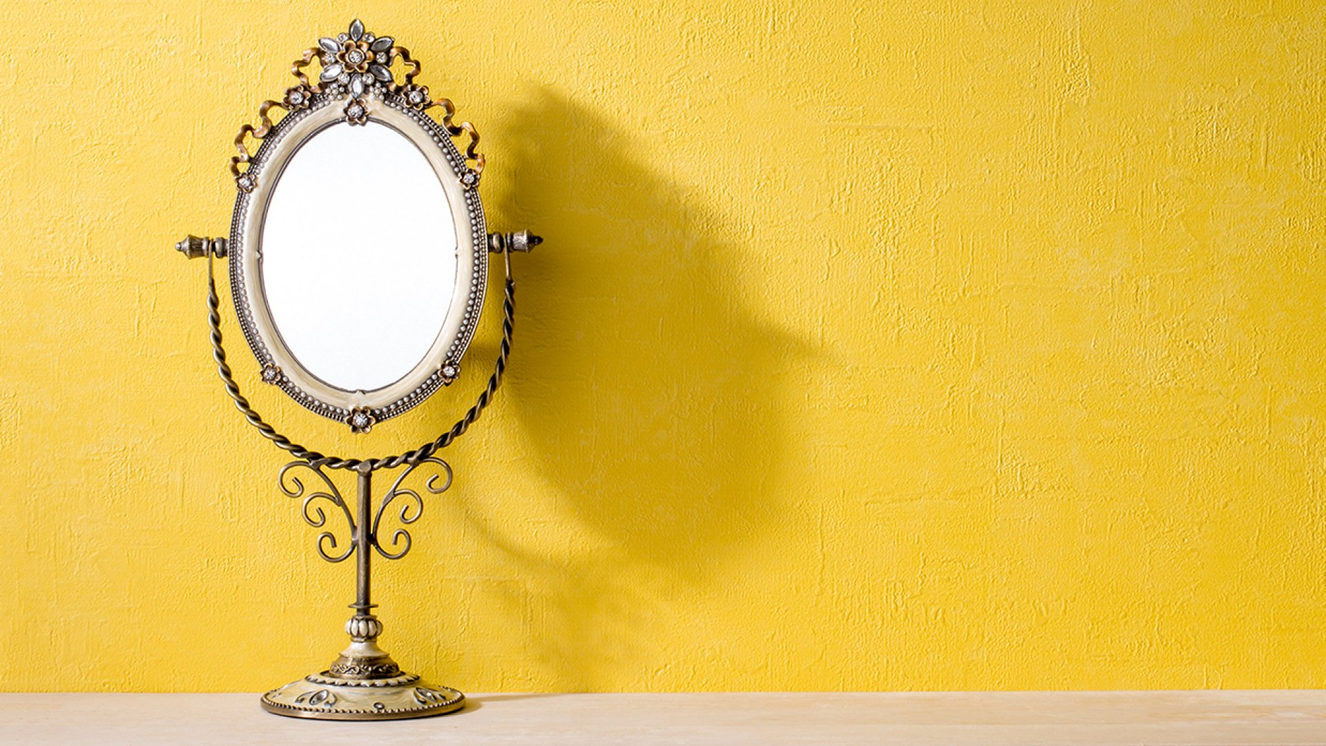 Do You Work With a Narcissist? Here's How to Tell in 5 Minutes