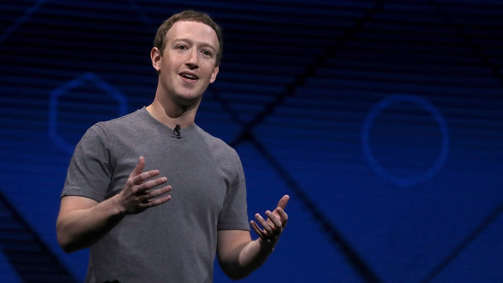 Facebook, Attempting to Woo Back Users, Has Turned Into an Unbearable Nag