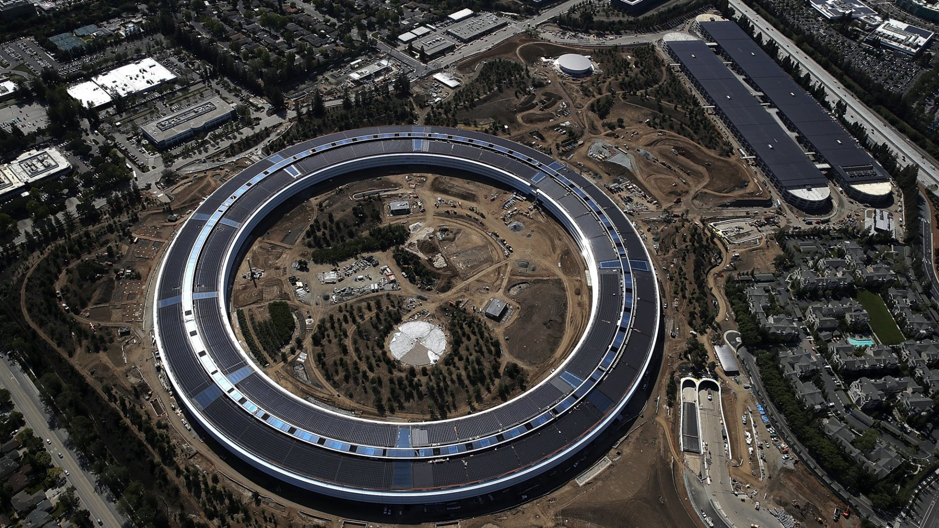 Did Apple Just Give up on Innovation? This Ginormous Elephant in Silicon Valley Points to Yes