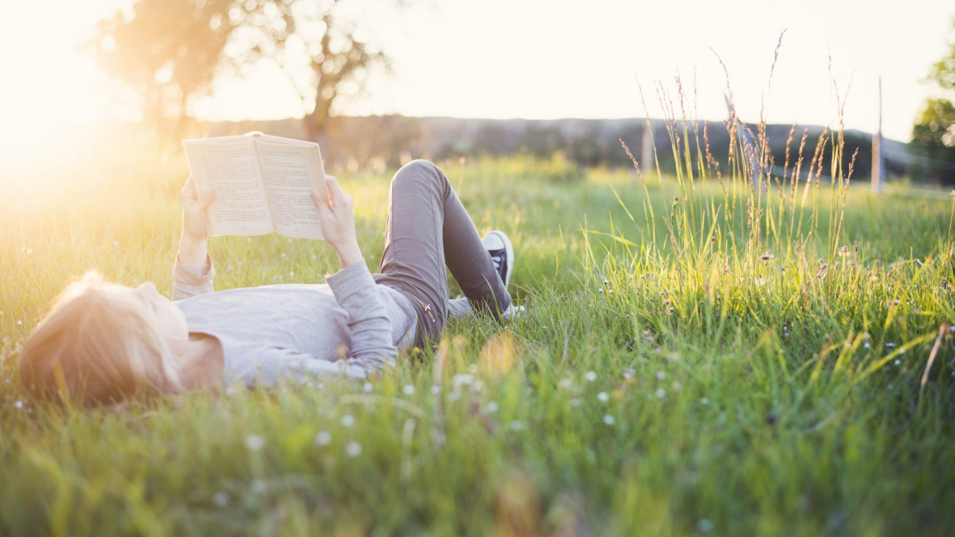 17 Inspiring Quotes on the Super Power of Reading