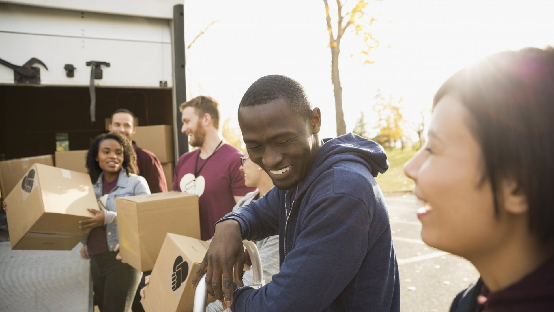 Giving Back: 6 Ways to Choose a Worthy Cause for Your Business to Support
