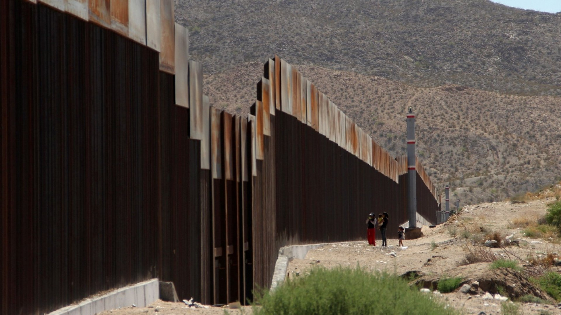 Cards Against Humanity Sells 'America-Saving' Surprises That Hinder Trump's Border Wall
