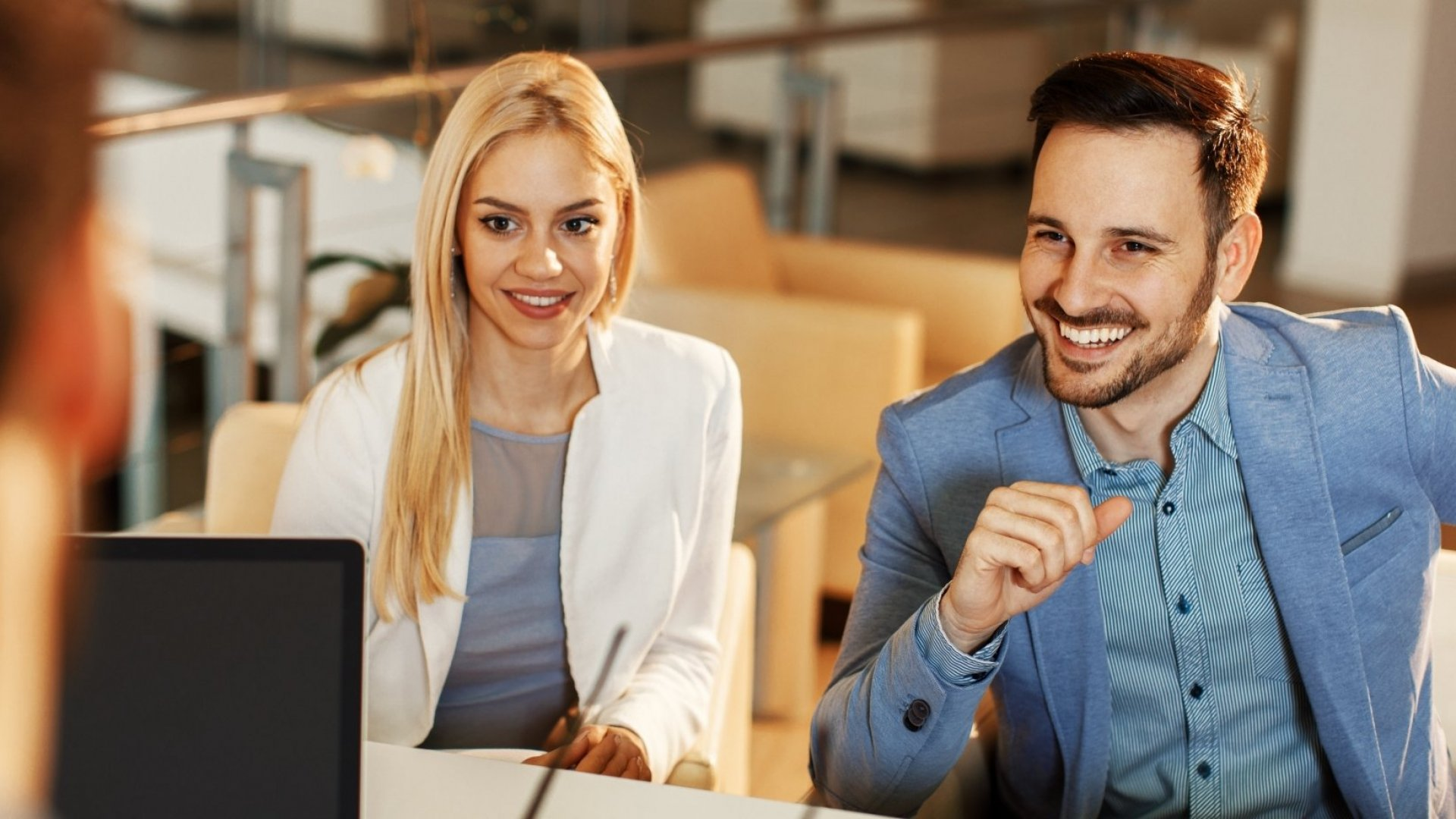 5 Surprisingly Effective Ways to Reward Employees the Right (Not the Wrong) Way