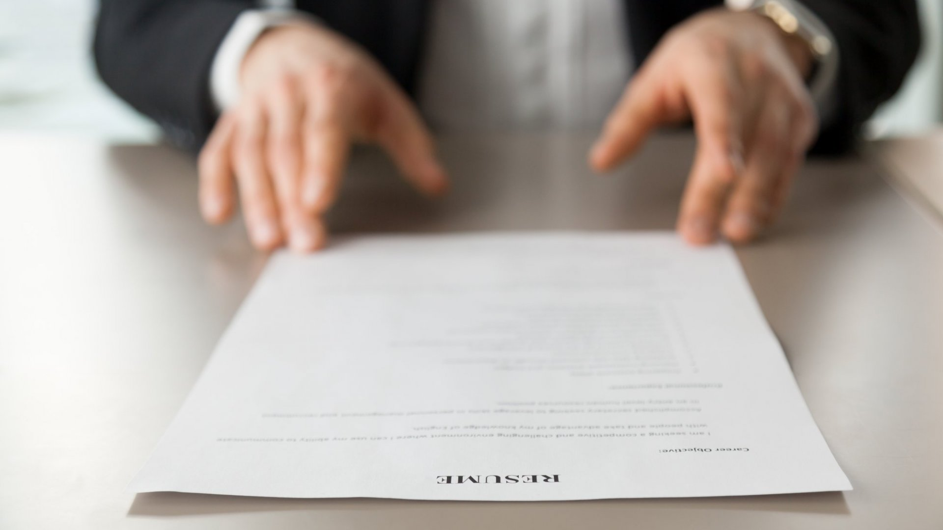 According to Hiring Managers, 1 Type of Resume Makes You Look Desperate