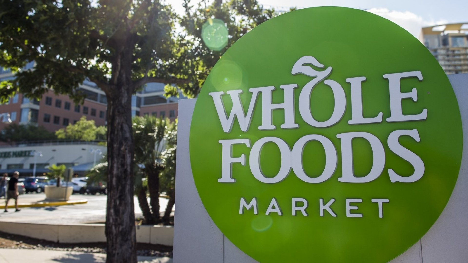 How Whole Foods' Suppliers Are Shifting From Shelves to Screens to Better  Sell on Amazon | Inc.com