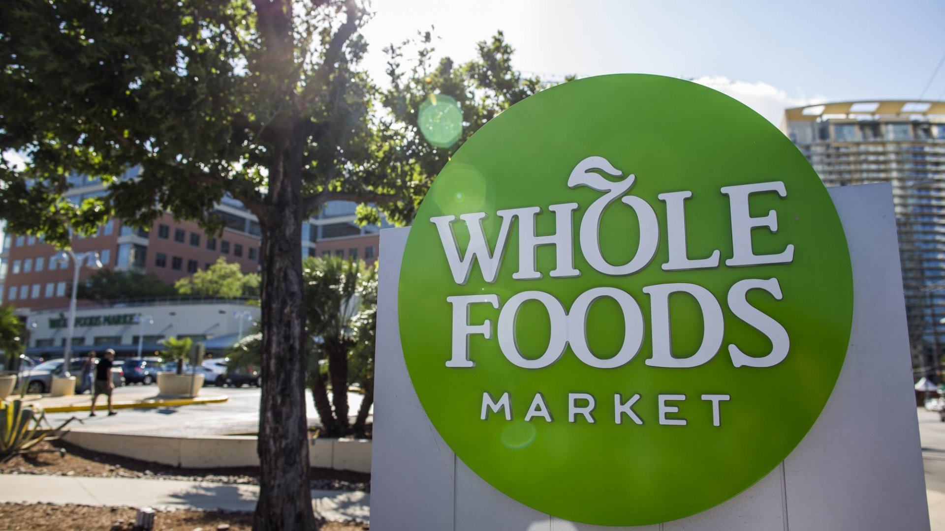 Amazon and Whole Foods: Why No Strategy Is Sometimes the Best Strategy