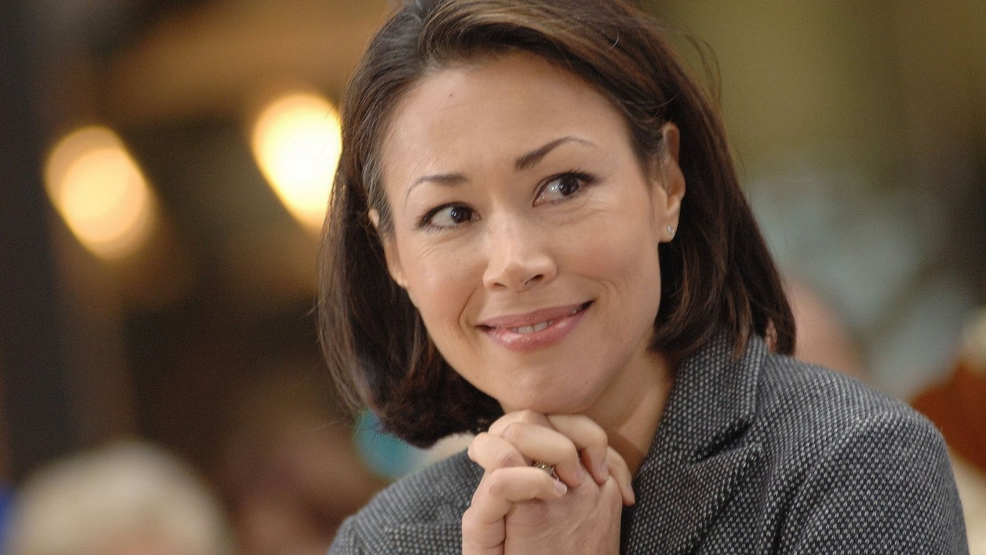 10 Years Ago, Ann Curry Was Nice to My Sister on a Plane. Here's Why I Will Never Forget the Story