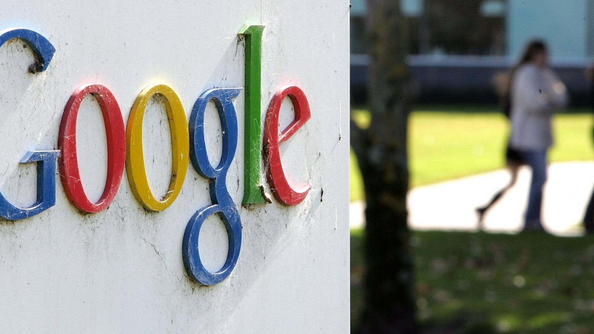 Google Ordered to Hand Over Records on Women's Pay