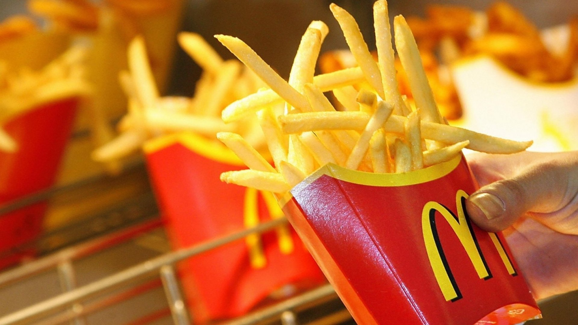 Here's Why McDonald's Will Give You Free Fries Every Friday in 2018