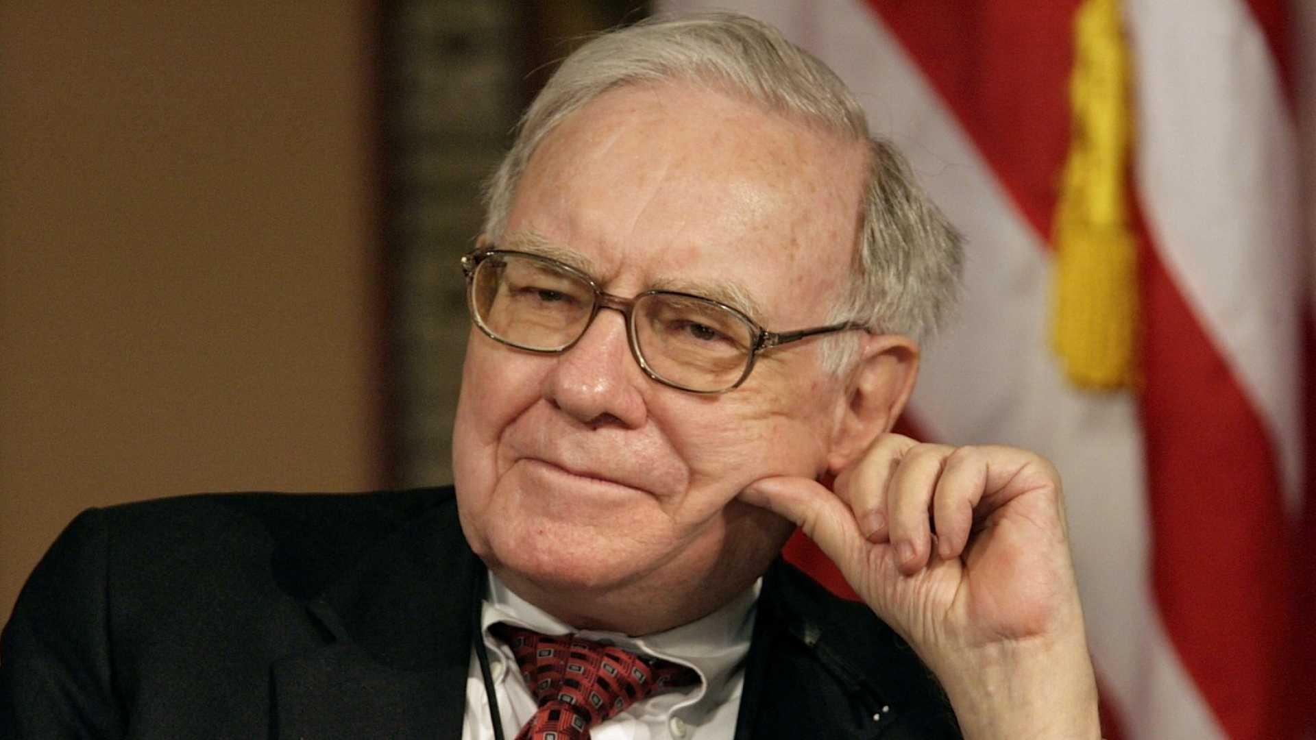 Warren Buffett's Annual Letter Just Revealed What Makes a Role-Model Leader in 1 Sentence