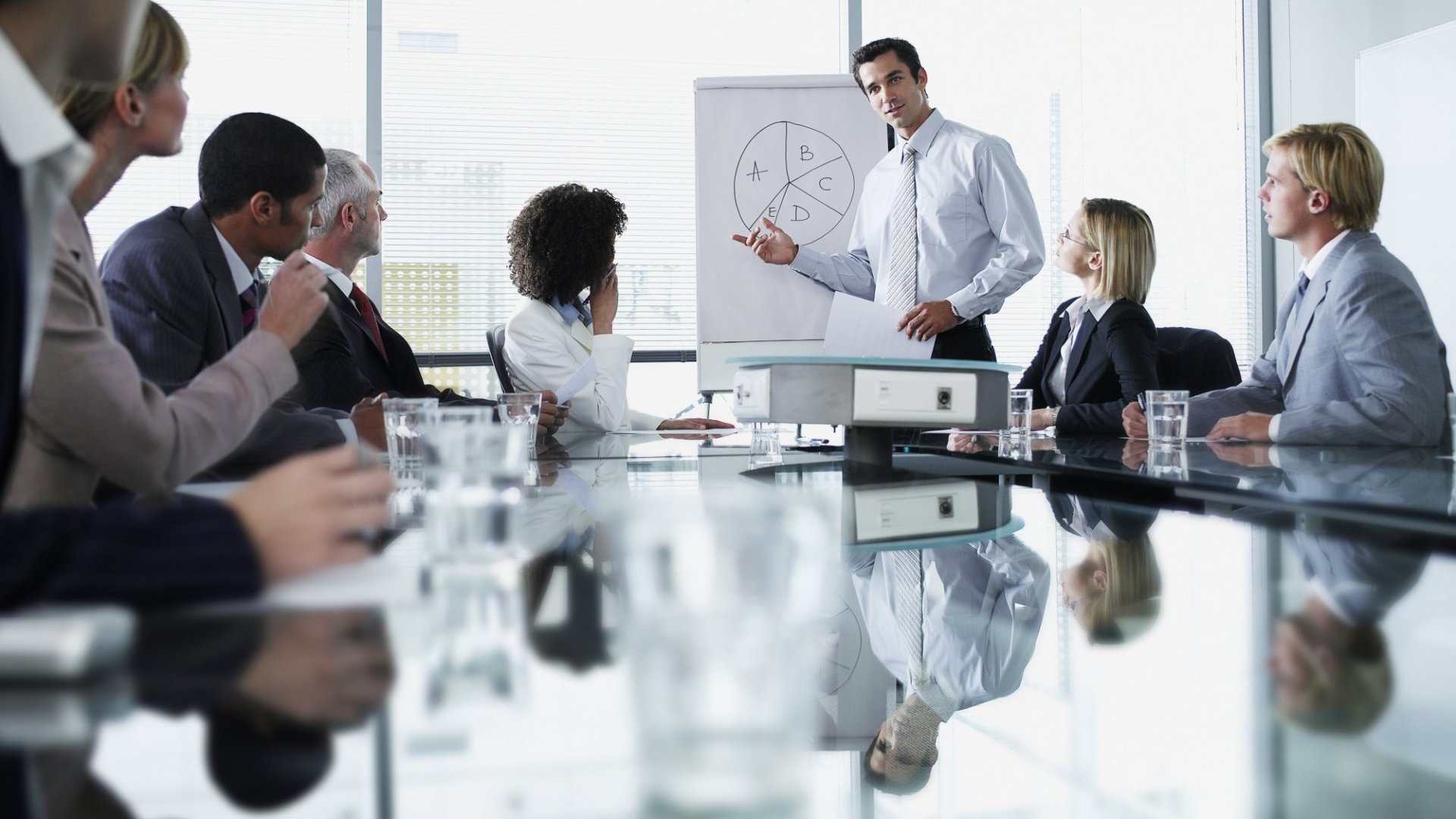 4 Critical Details Every Investor Wants to See in Your Pitch