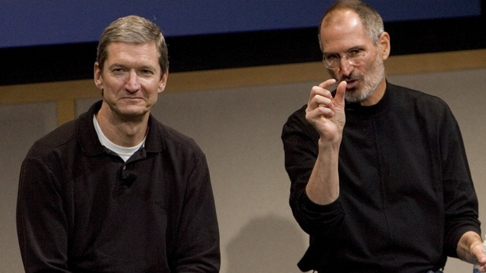 Tim Cook Just Revealed That Steve Jobs Convinced Him to Join Near-Bankrupt Apple With 1 Powerful Thought