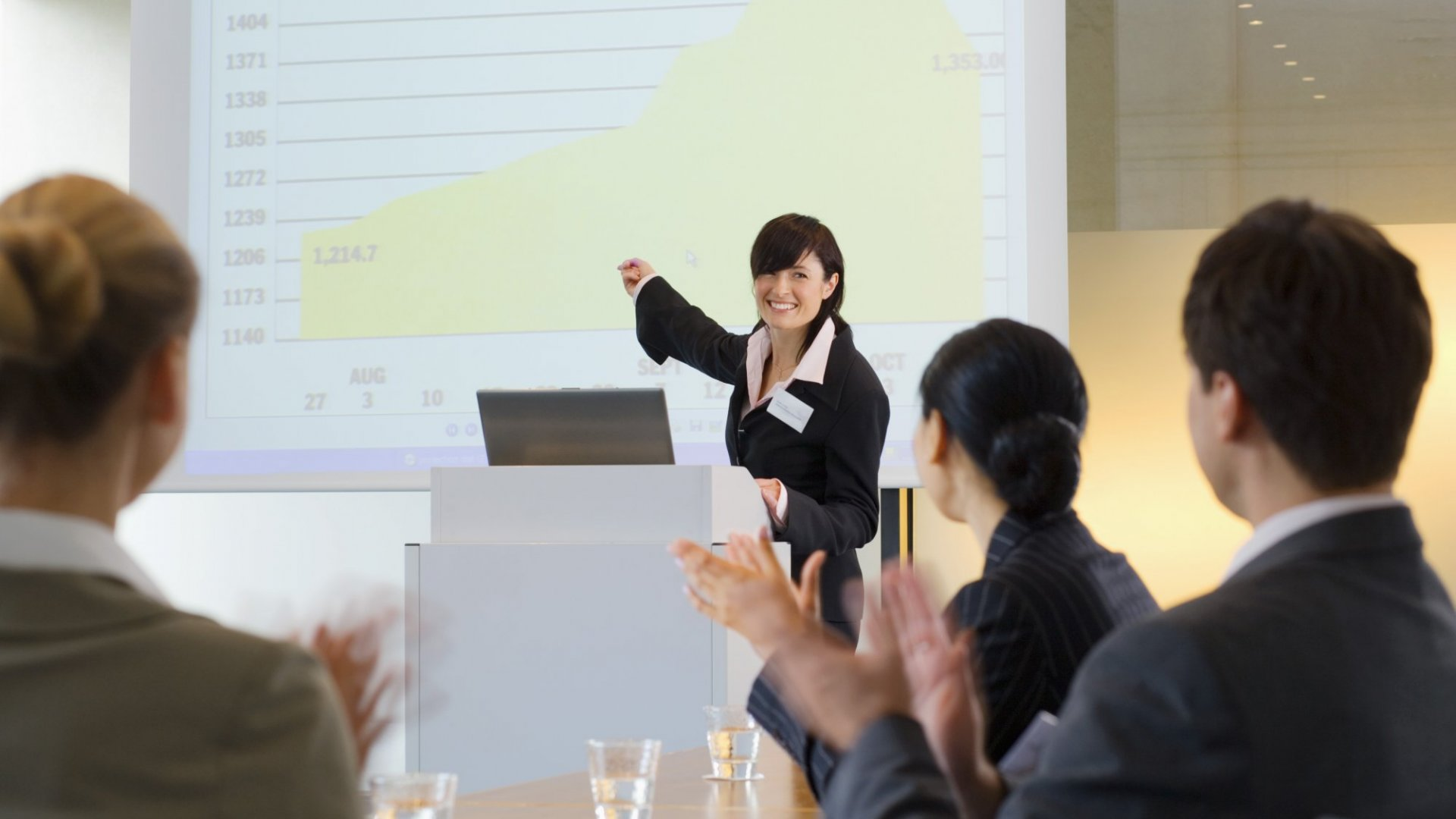 Why Over Using PowerPoint Is Hurting Your Ability to Influence People