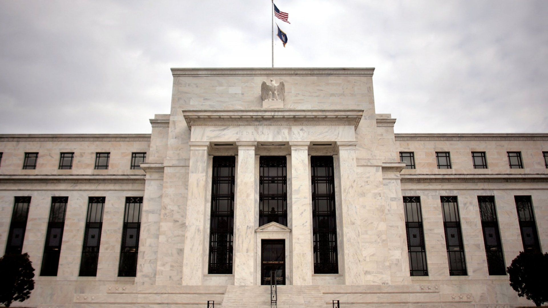 Federal Reserve Keeps Interest Rates Unchanged, But Hints Hike Is Coming
