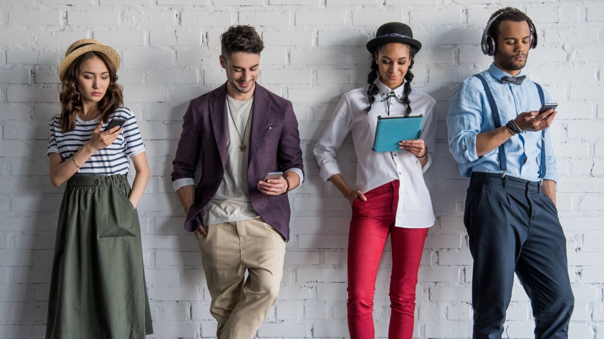 What's Really Happening With Workplace Dress Codes? (And How Will They Impact You?)