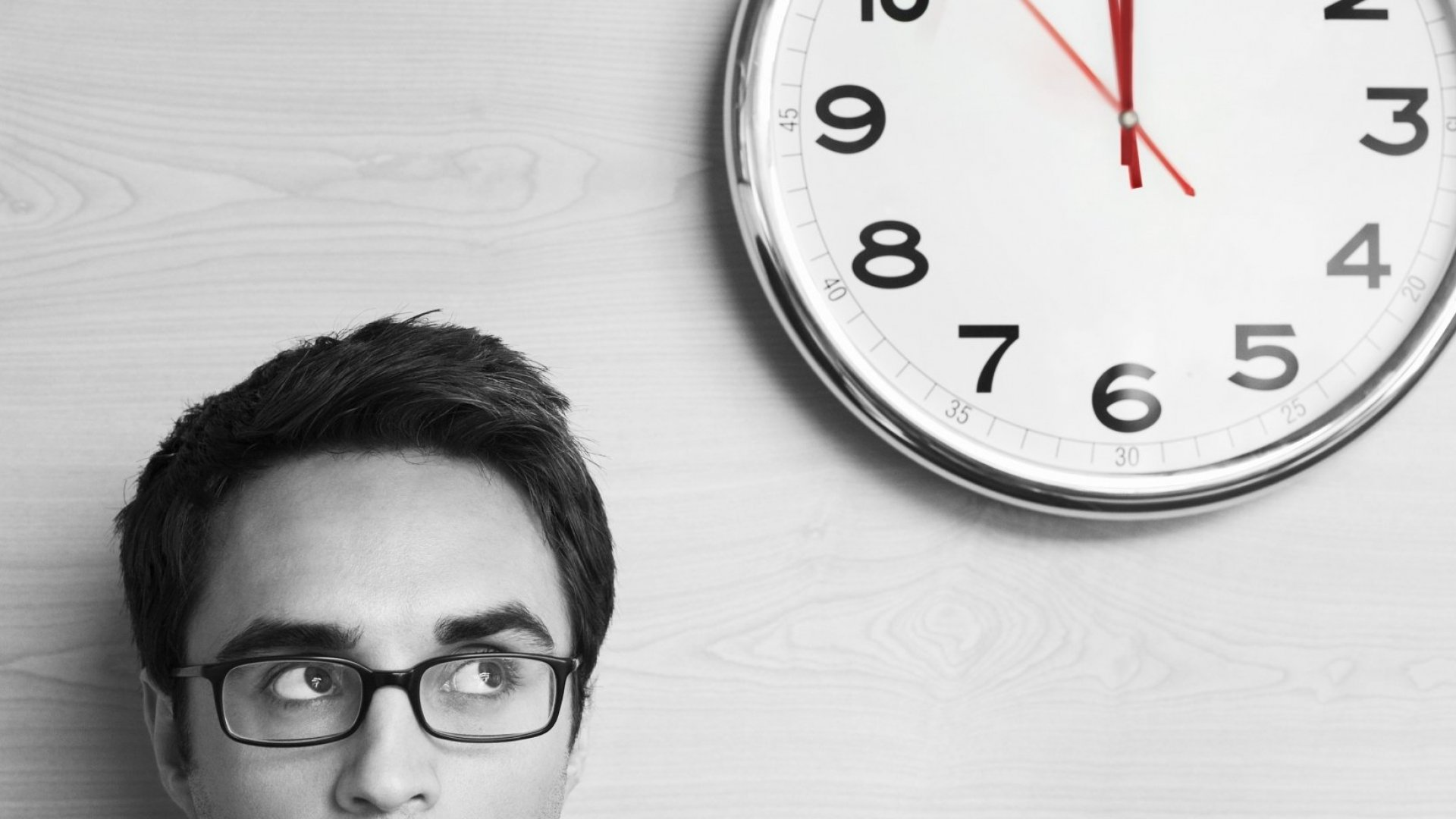5 Reasons Tracking Employee Hours Is a Terrible Idea