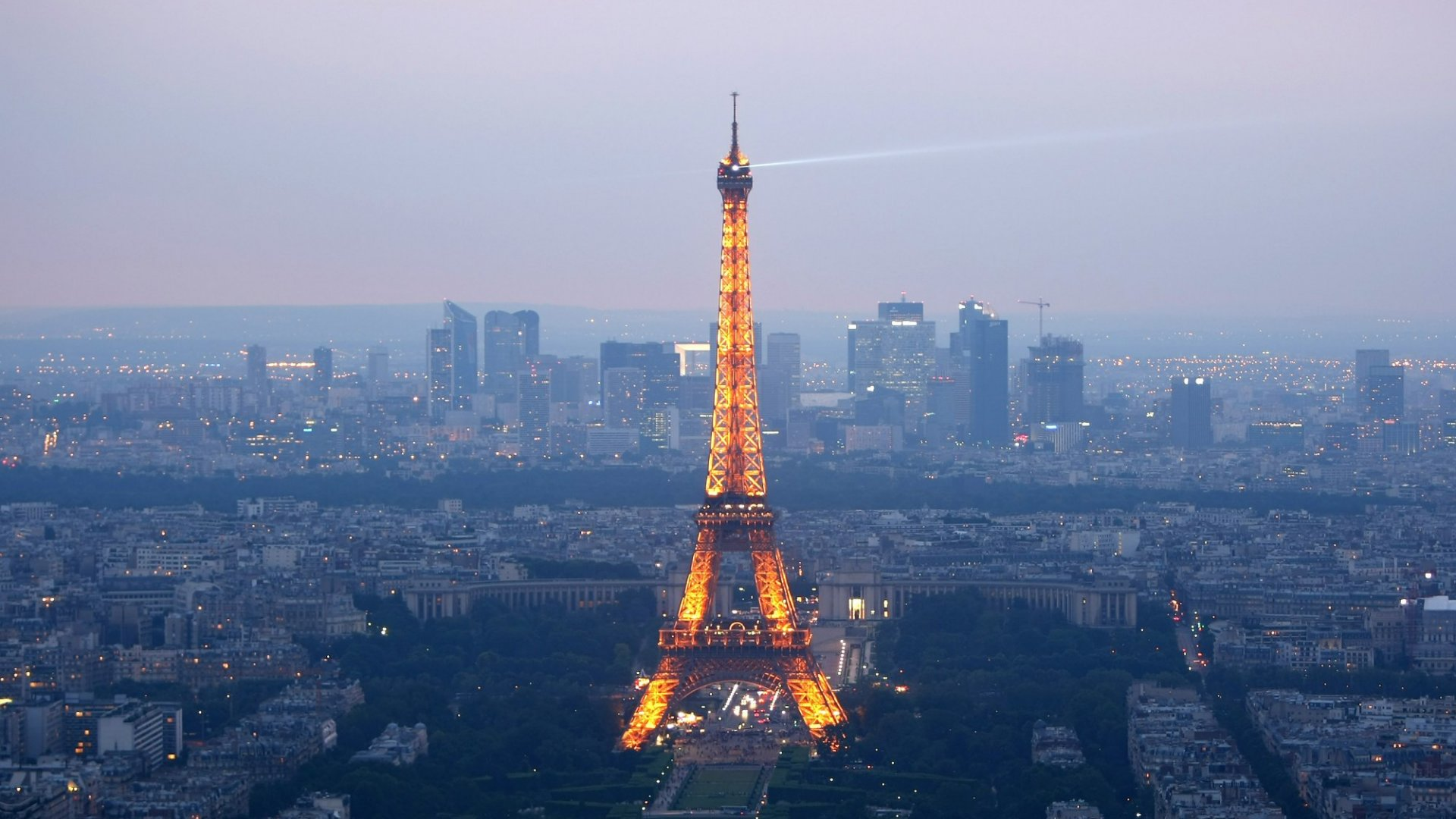 Amid Tragedy, Parisian Startups Contemplate the Future
