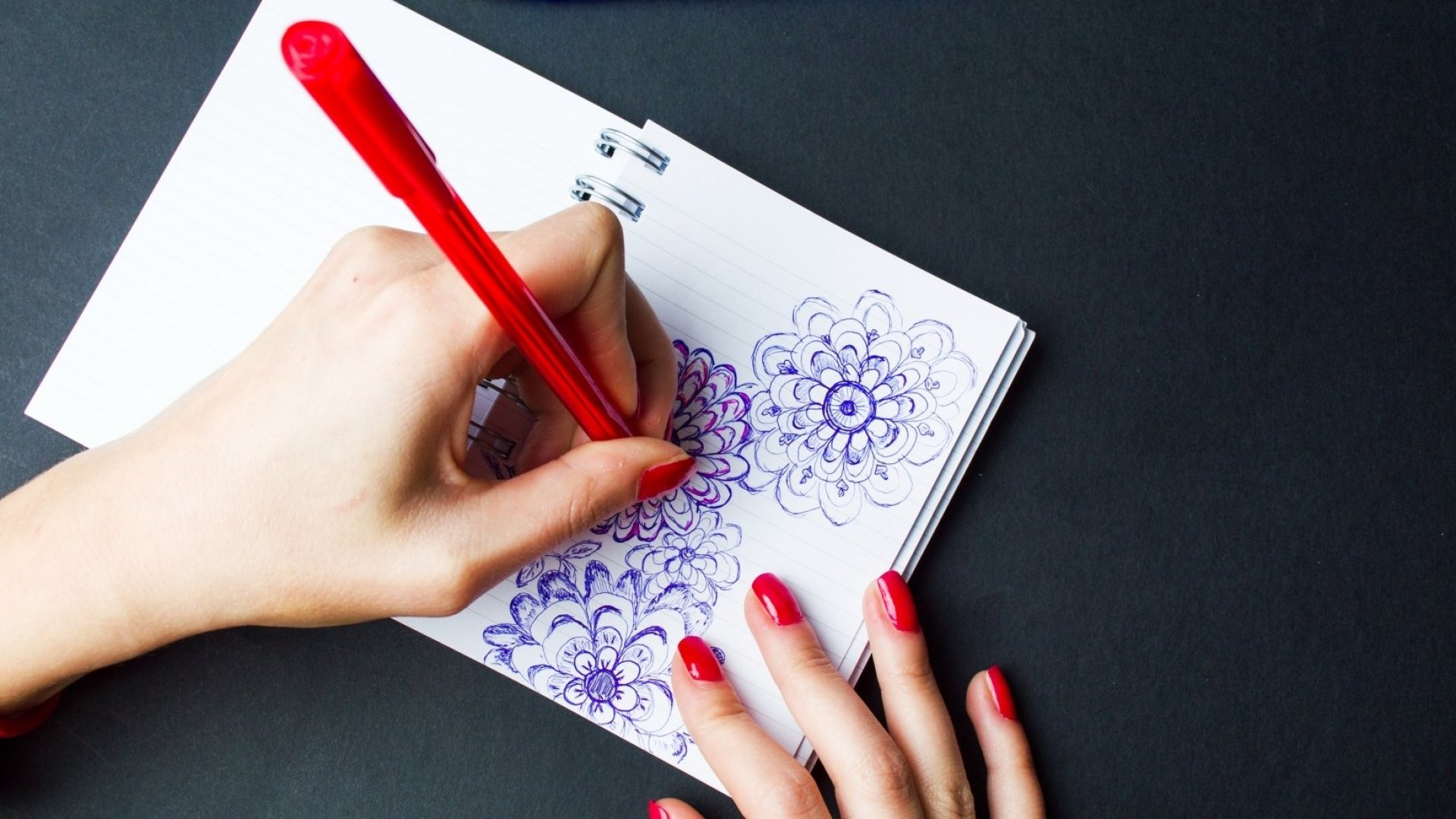 It's International Left Handers Day. Here Are 6 Things Only Lefties Know