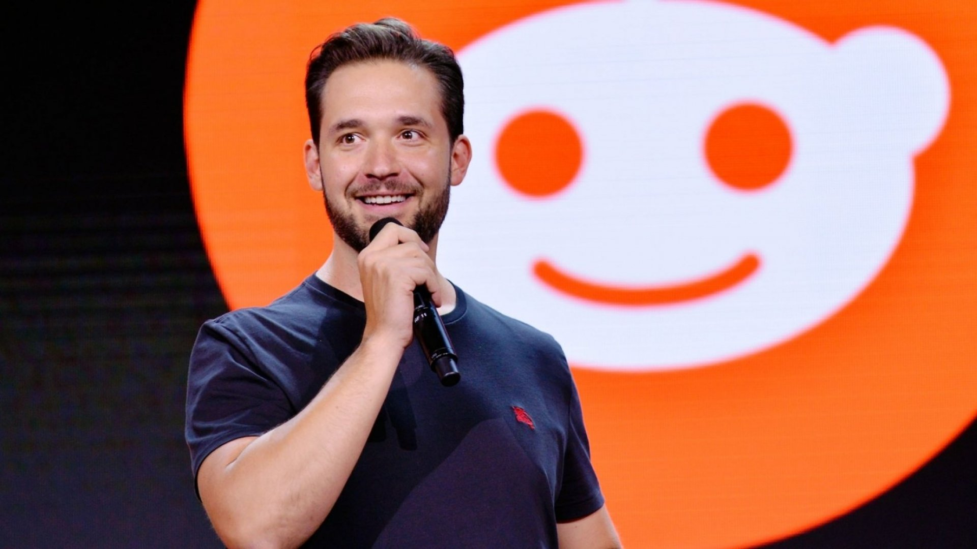 Why Reddit Co-Founder Alexis Ohanian Lives by This 3-Word Mantra (and You Should Too) | Inc.com