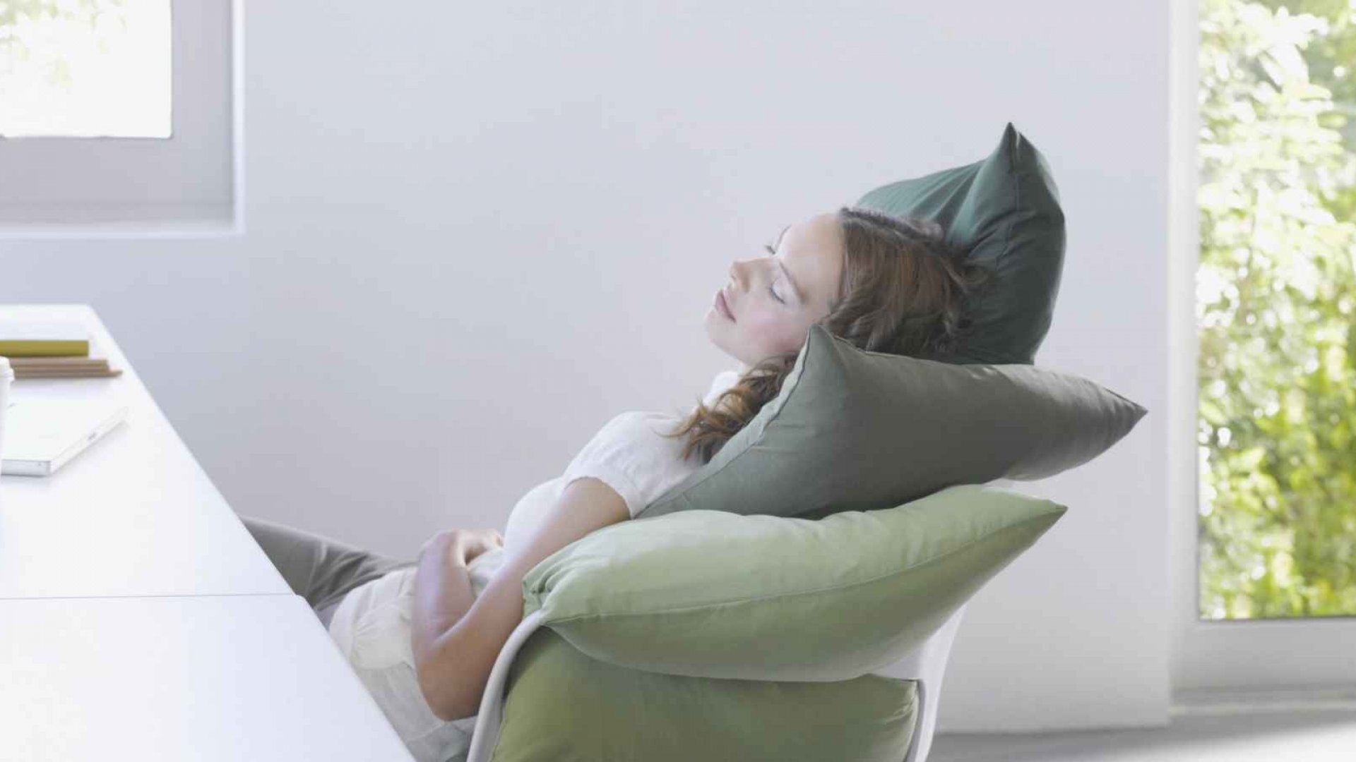 This Is the Ideal Nap Time to Boost Productivity (Infographic)