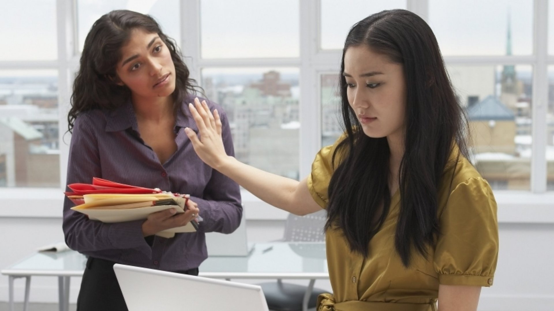 How to Work with a Rude and Dismissive Colleague