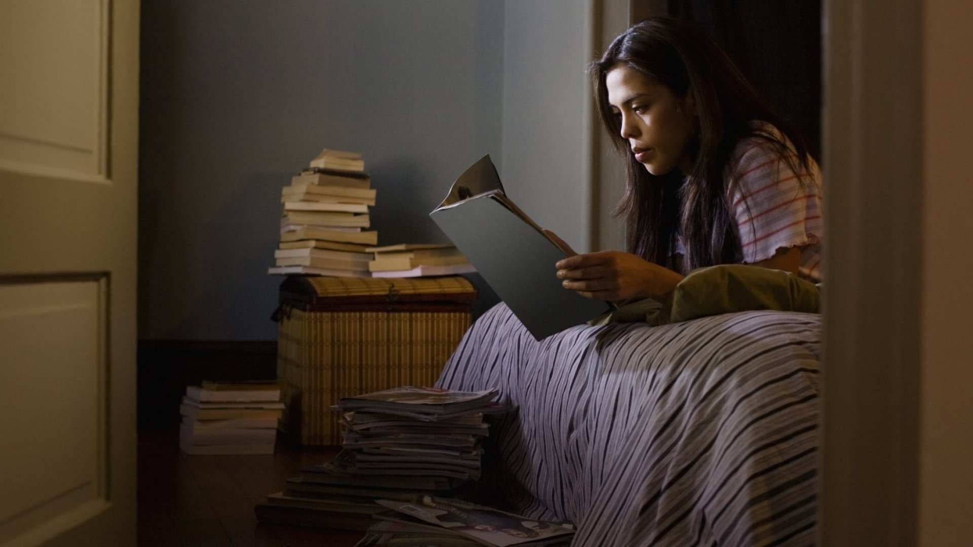 3 Powerful Tips to Help You Read 100 Books This Year