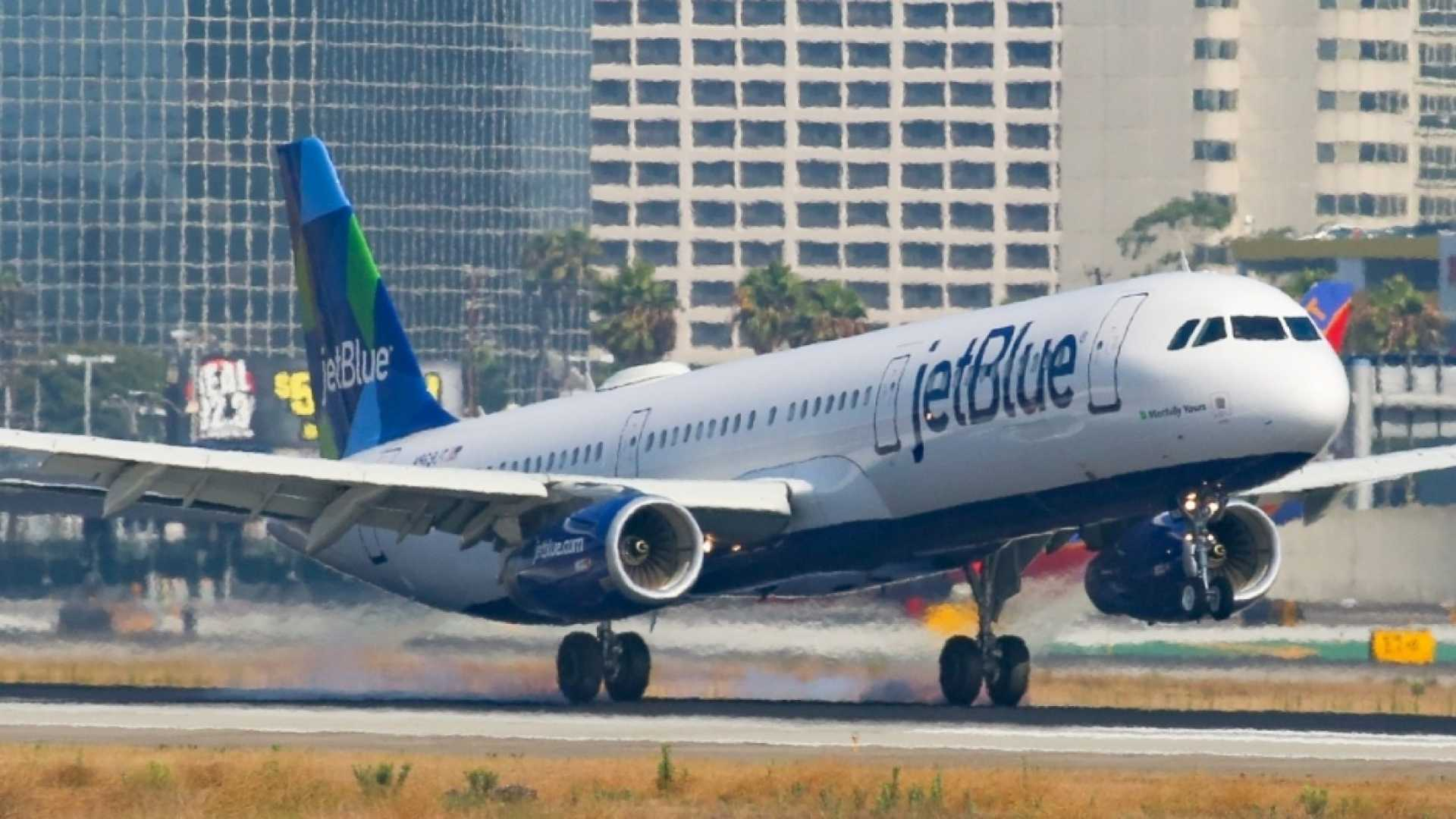 JetBlue Is Delivering 1,050 New York Pizzas to Los Angeles Next Week. It's a Marketing Stunt, and It's Pretty Darn Smart