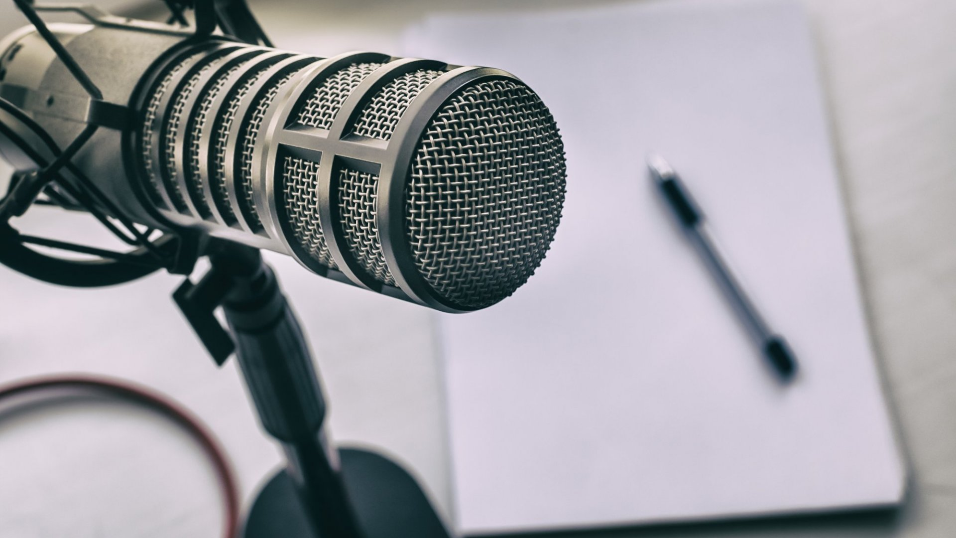 How to Create More Engaging Podcast Ads for Your Business: 4 Tips