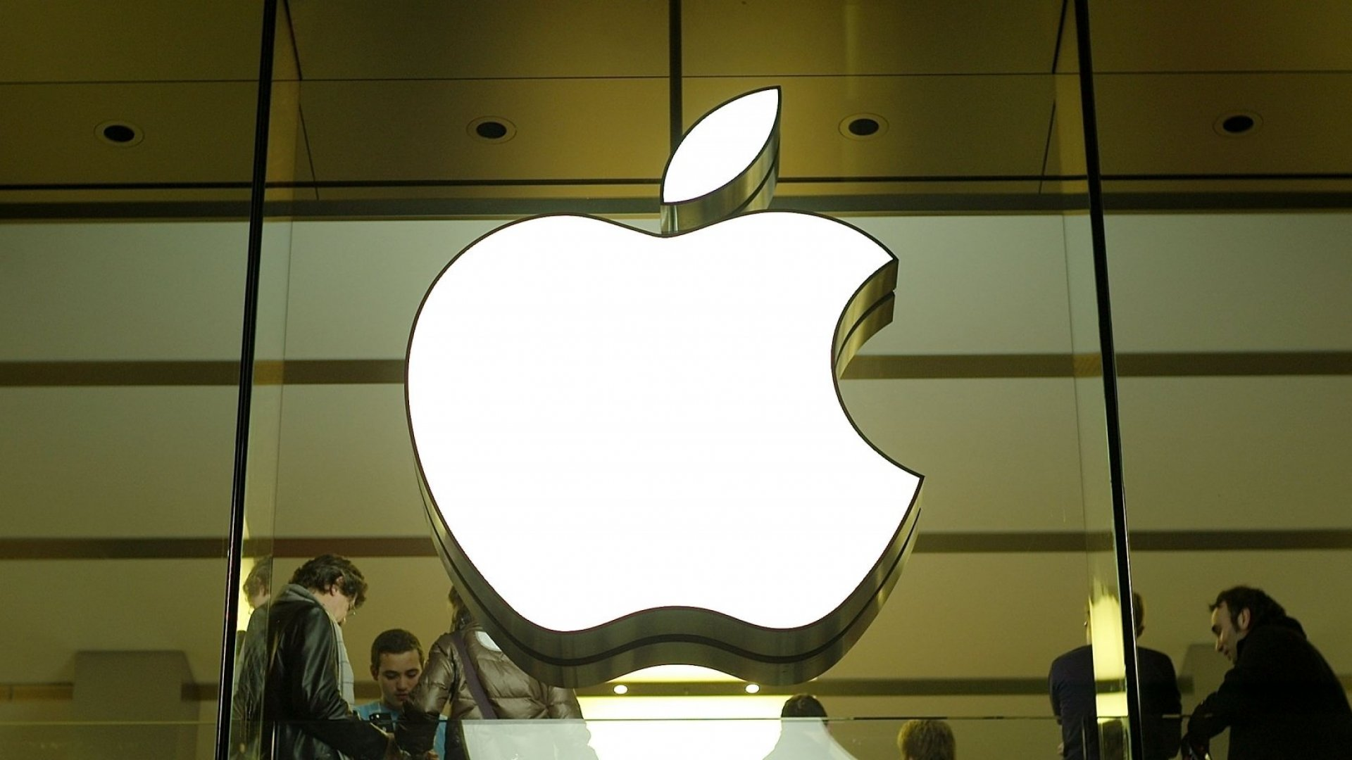 Apple's Planned In-Home Device May Watch You Every Second. Is That a Good Thing?