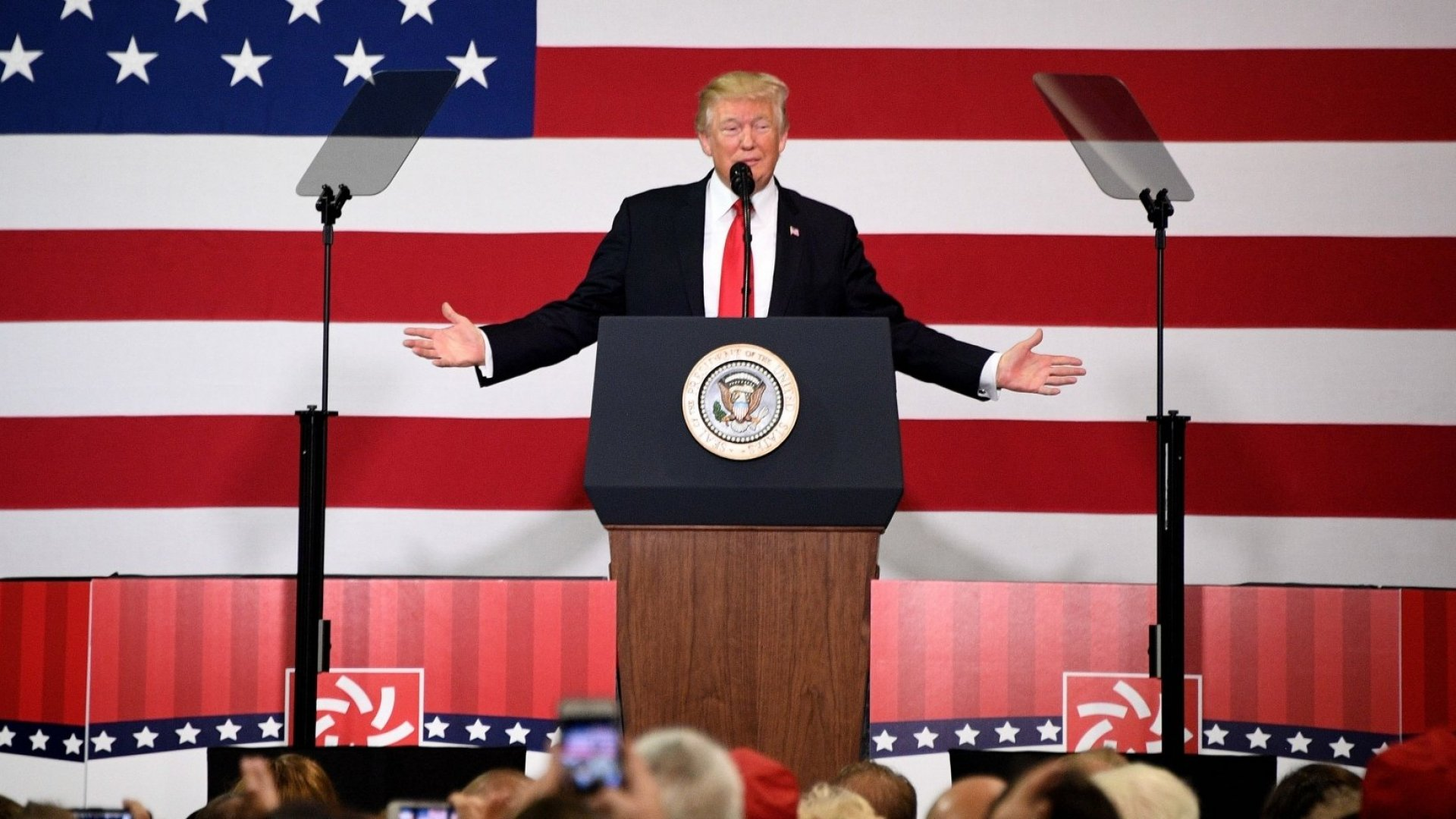 US President Donald Trump participates in a tax reform kickoff event at the Loren Cook Company in Springfield, MO, on August 30, 2017.
