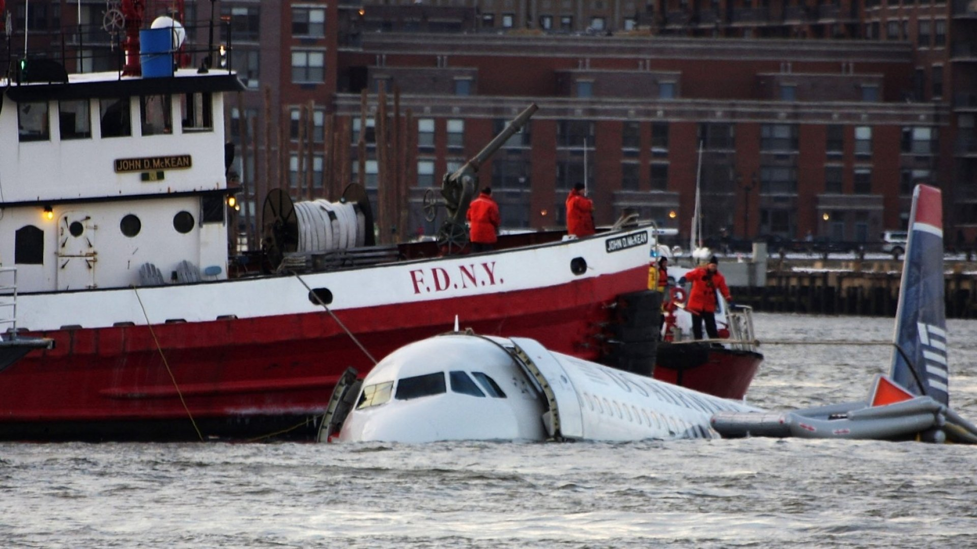 10-Year Anniversary of the 'Miracle on the Hudson': How a Pilot and His Crew Used 208 Seconds to Save Over 100 Lives
