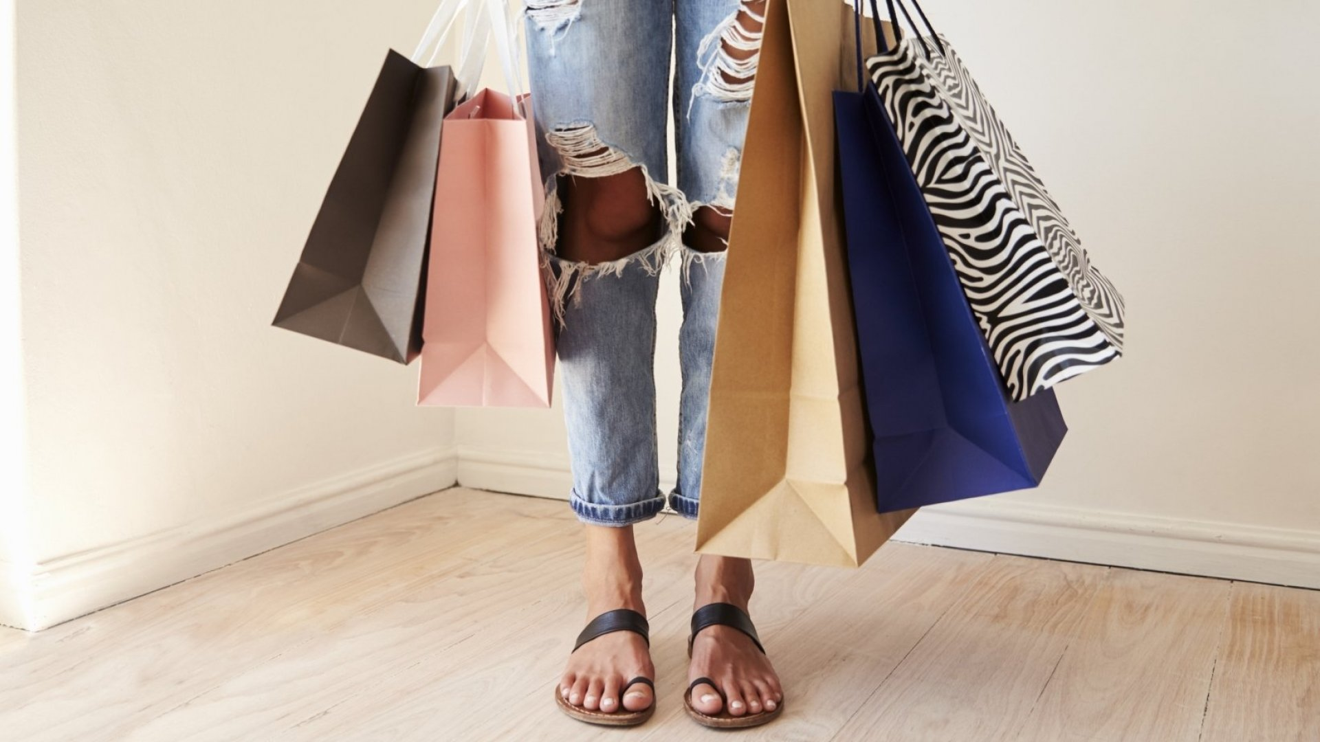 6 Ways Millennials Can Budget for the Holidays